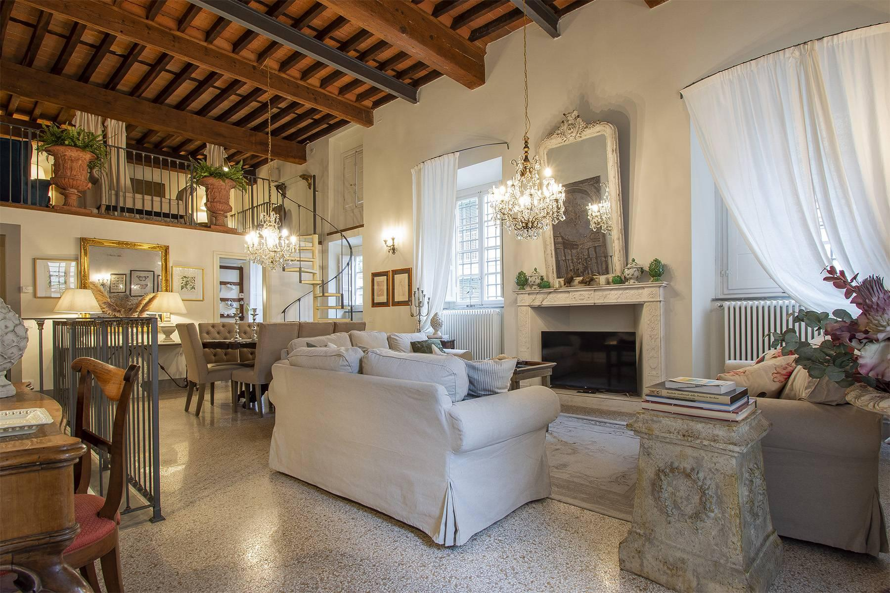 Exclusive apartment in the heart of Lucca - 2