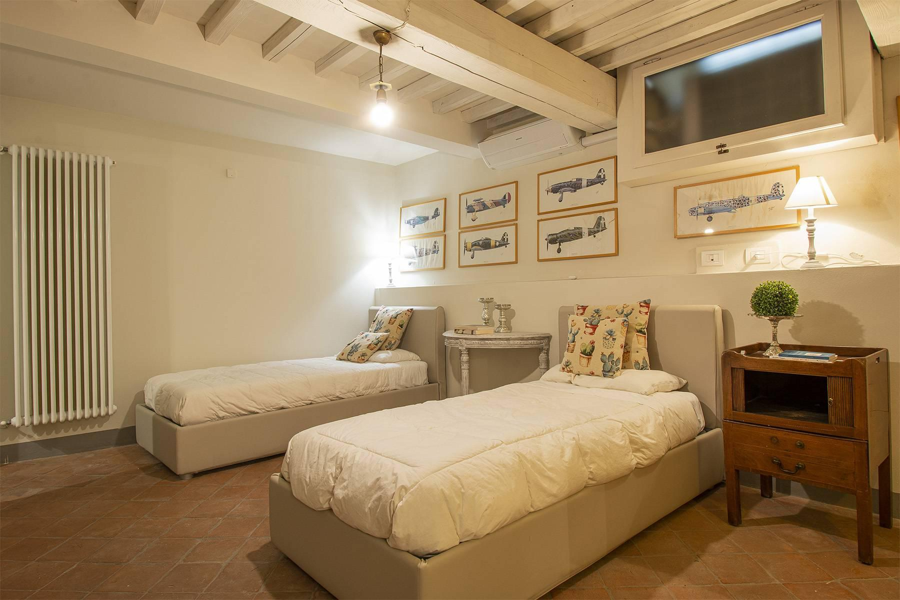 Exclusive apartment in the heart of Lucca - 11