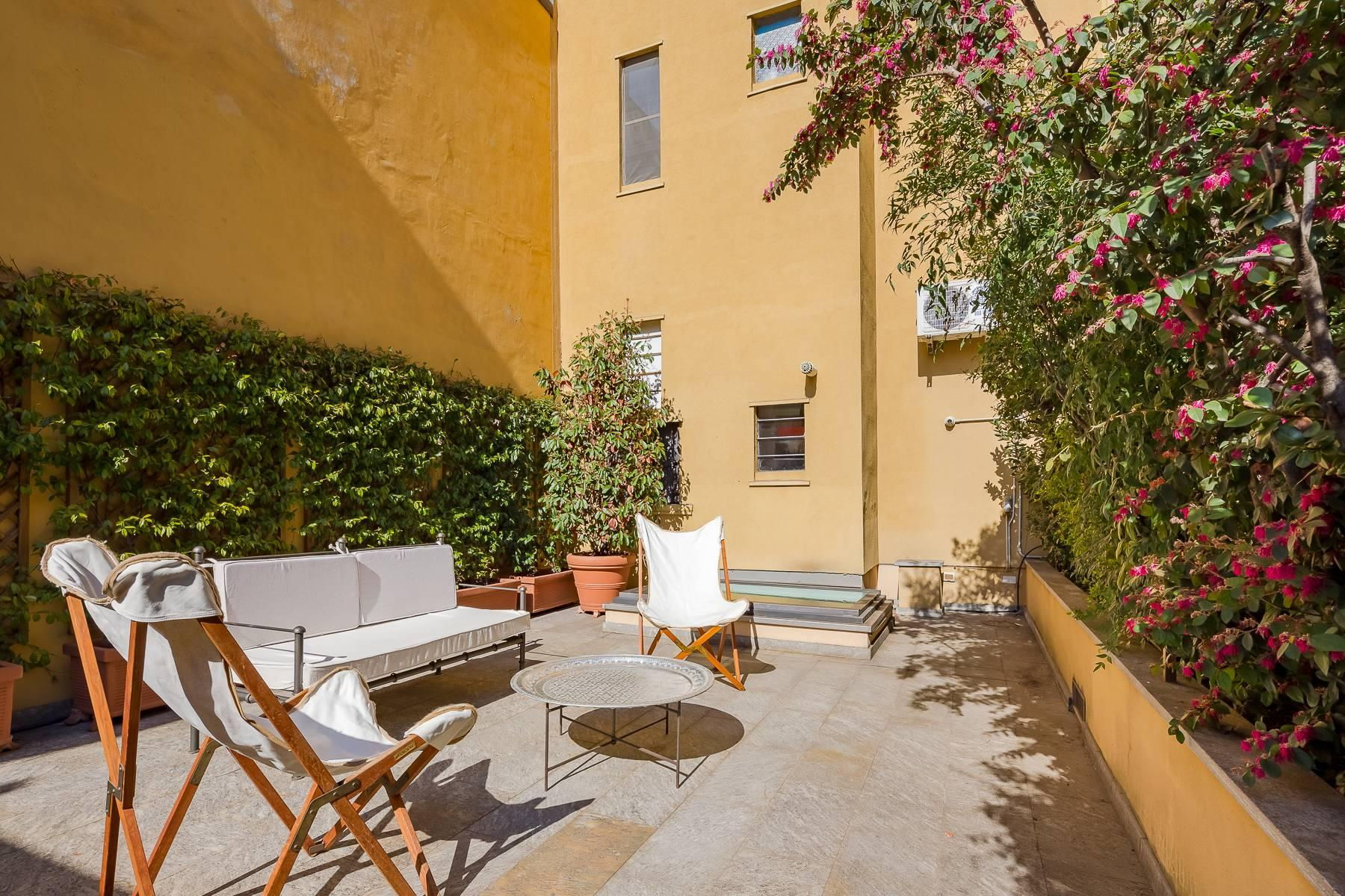 Elegant apartment in the heart of Sant'Ambrogio with roof terrace - 21