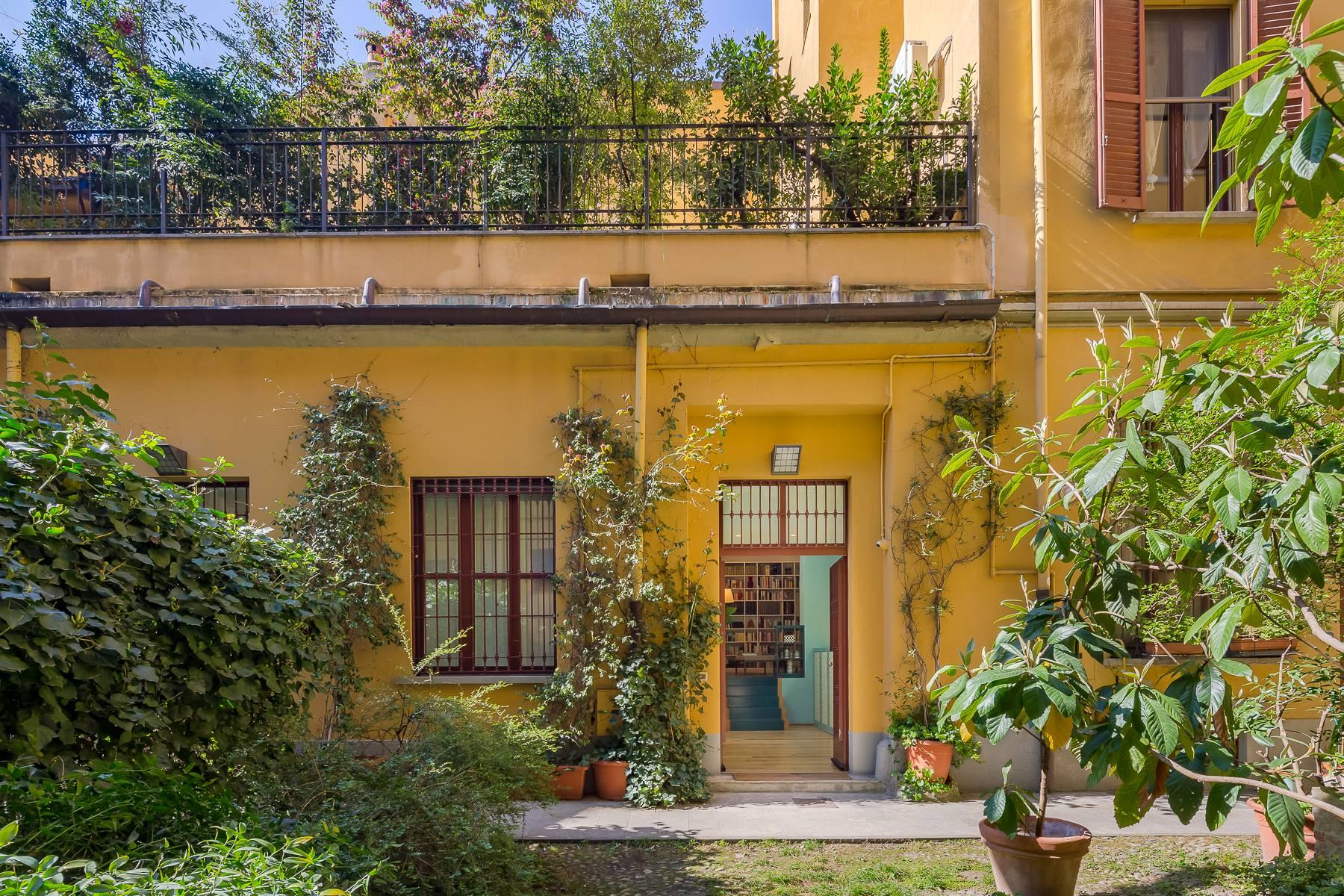 Elegant apartment in the heart of Sant'Ambrogio with roof terrace - 22