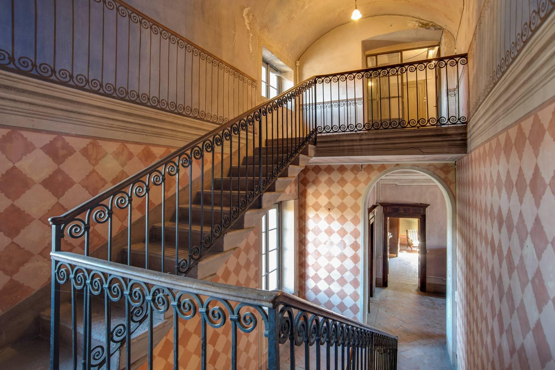 Historic villa with large park - 10