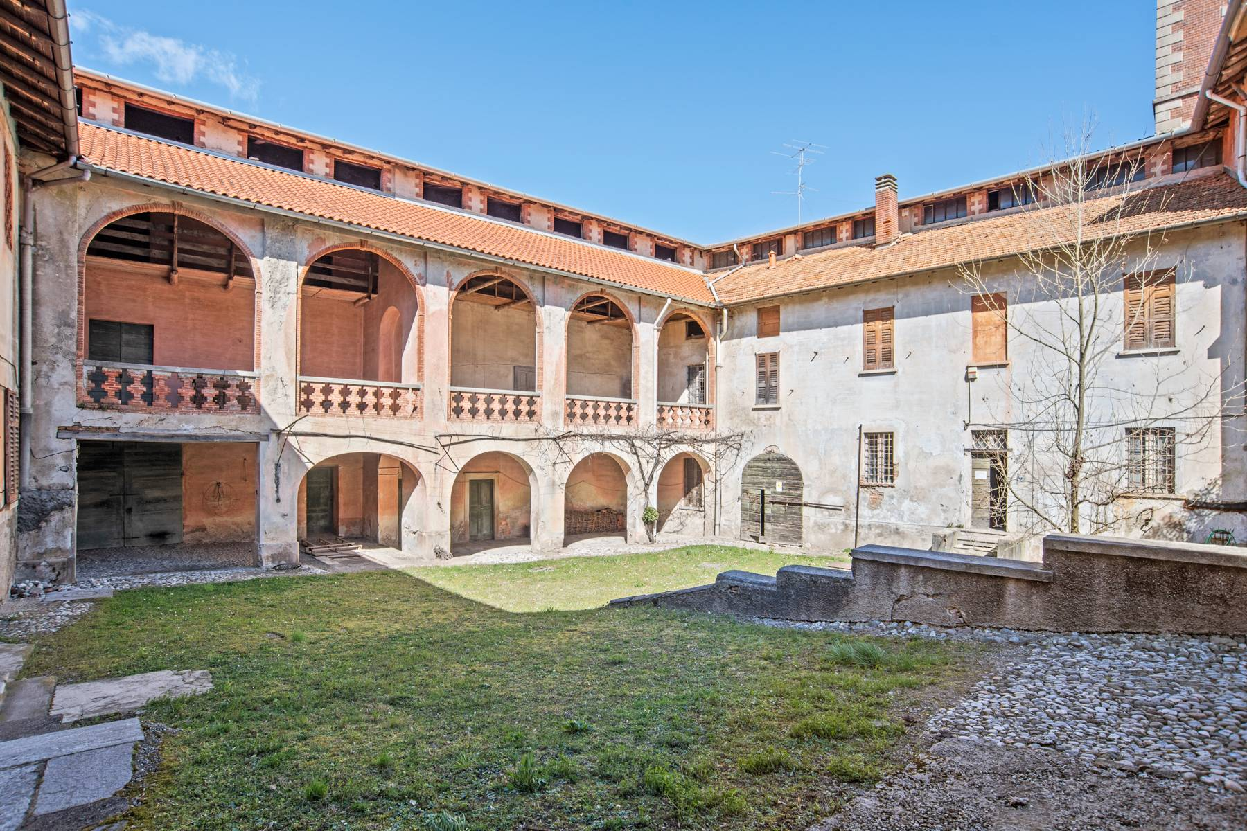 Historische Villa mit großem Park - 2