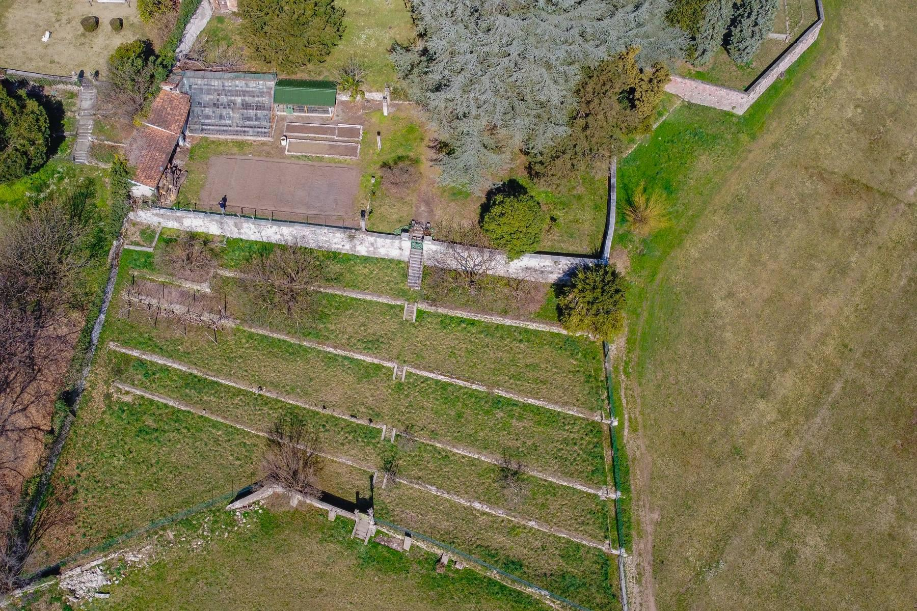 Historic villa with large park - 23