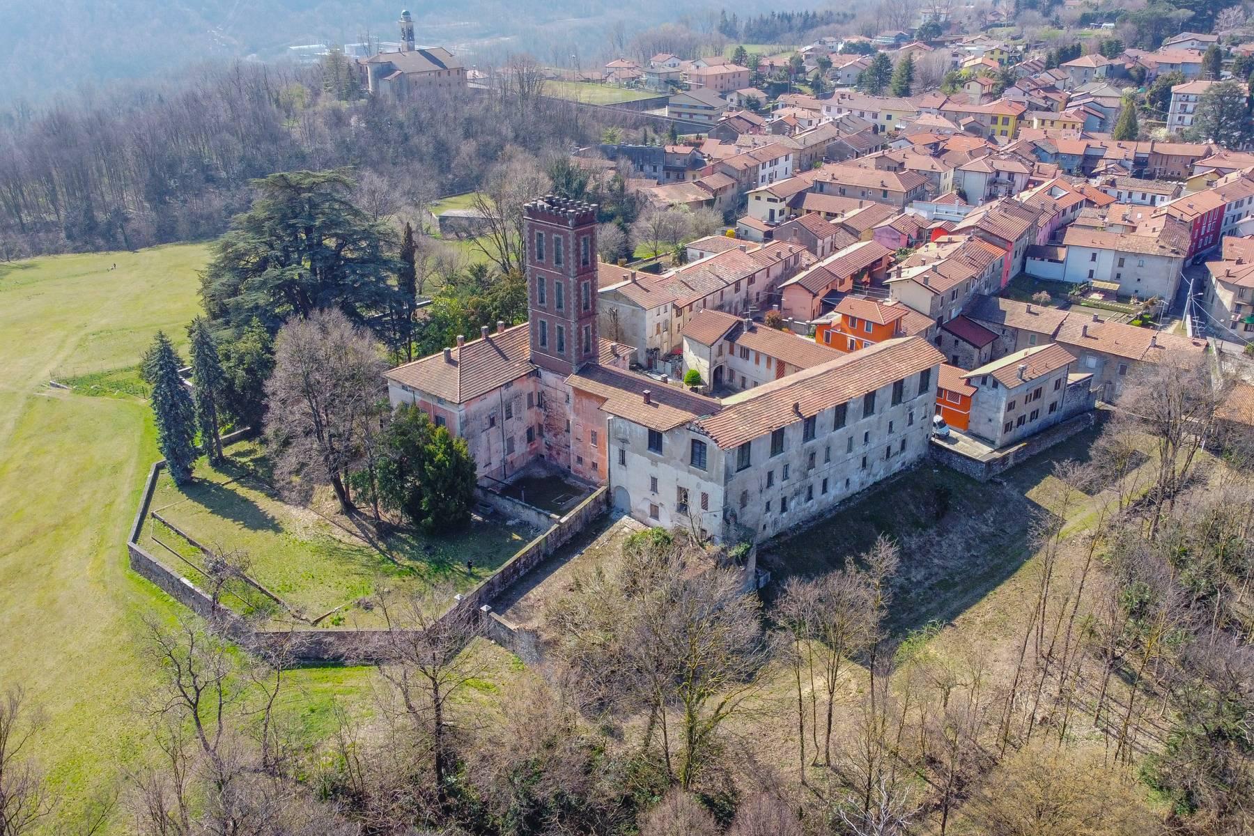 Historic villa with large park - 16