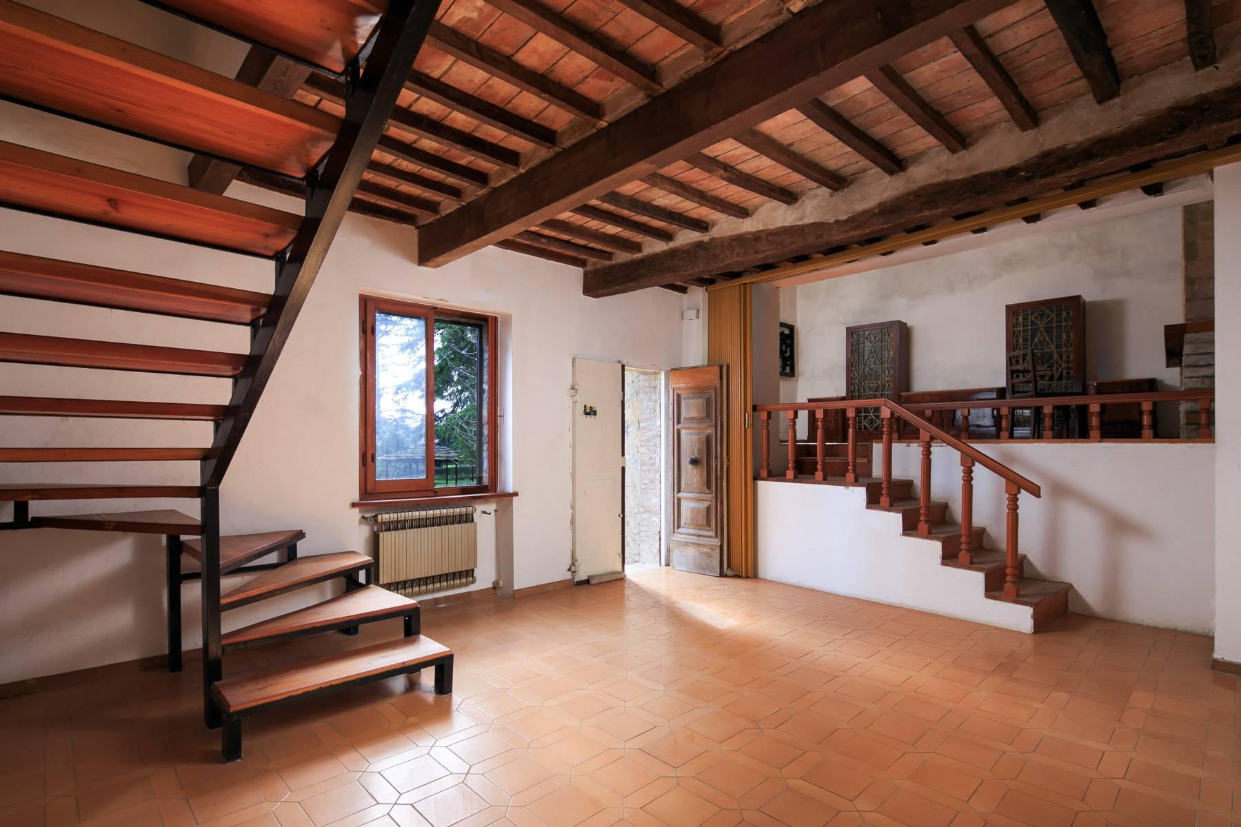 Prächtige historische Villa mit neoklassizistischer Kapelle und Park - 16