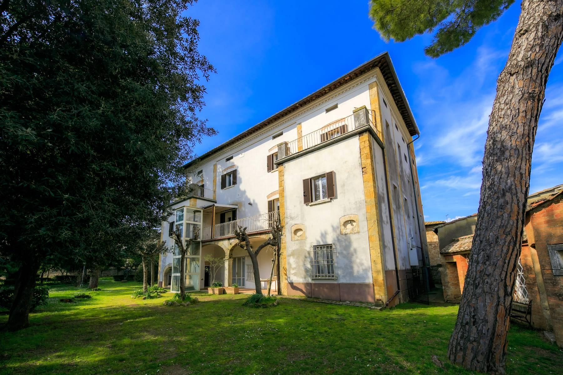 Prächtige historische Villa mit neoklassizistischer Kapelle und Park - 31