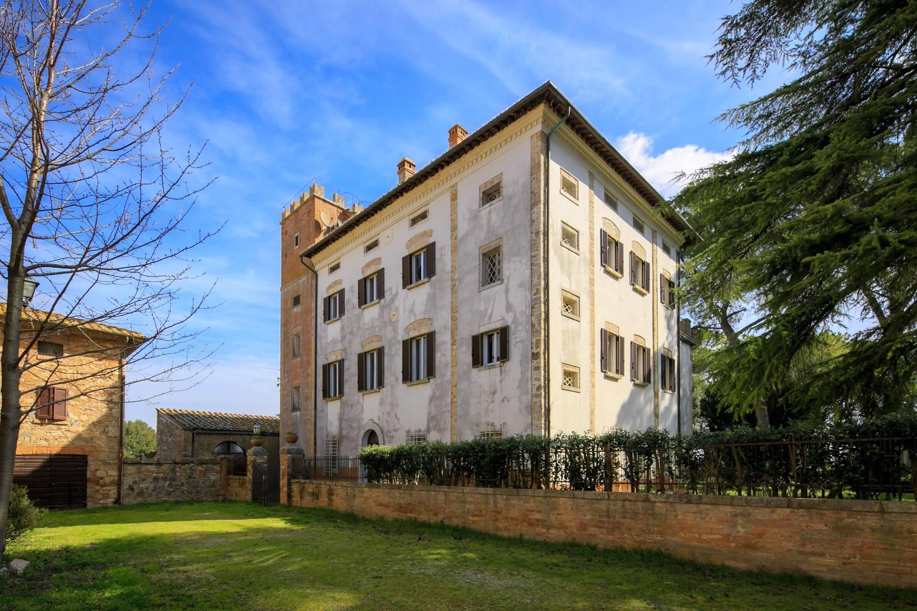 Prächtige historische Villa mit neoklassizistischer Kapelle und Park - 34