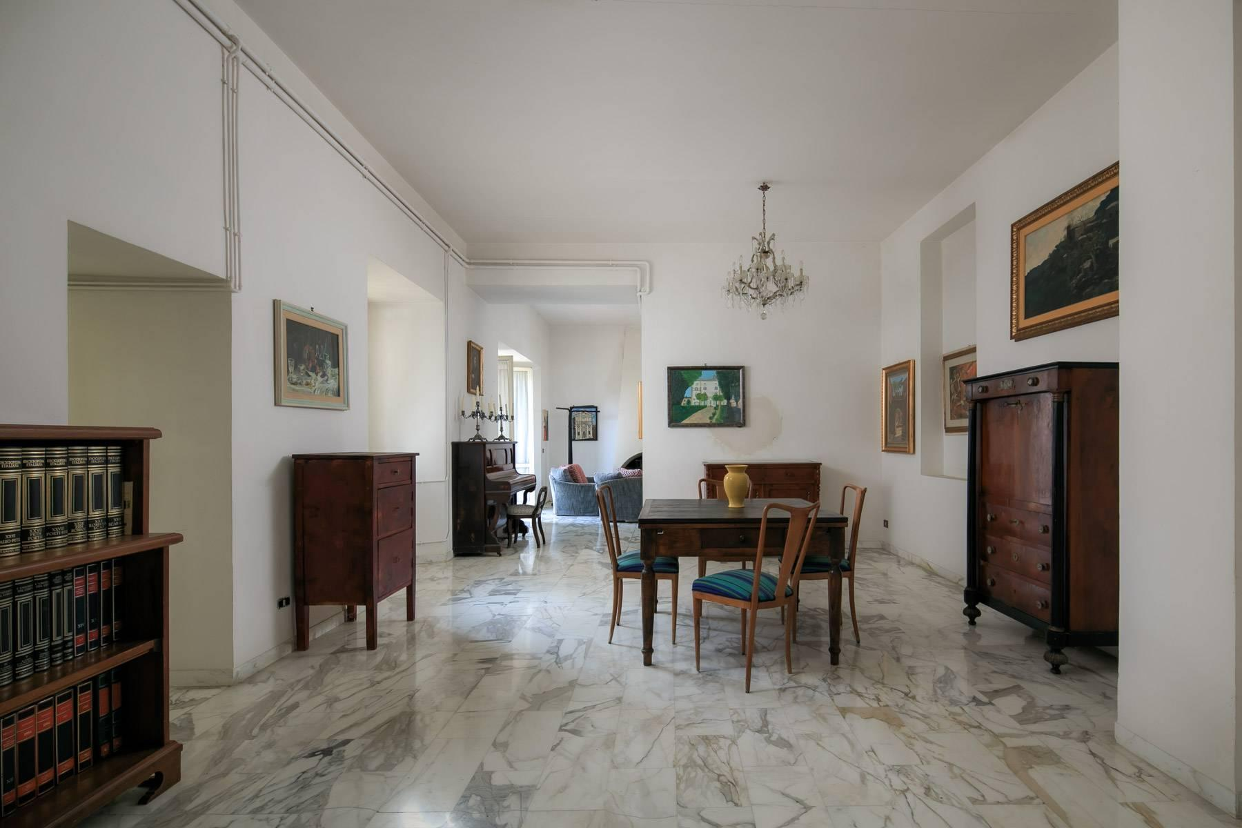 Magnificent villa with its own chapel and park - 9