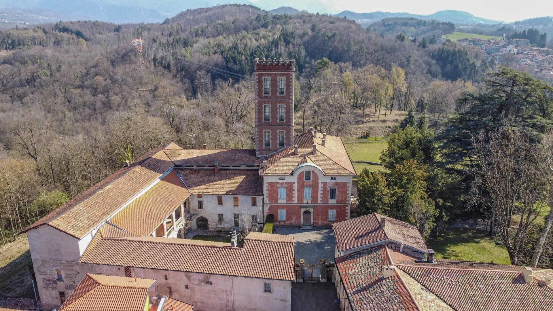 Historic villa with large park - 17