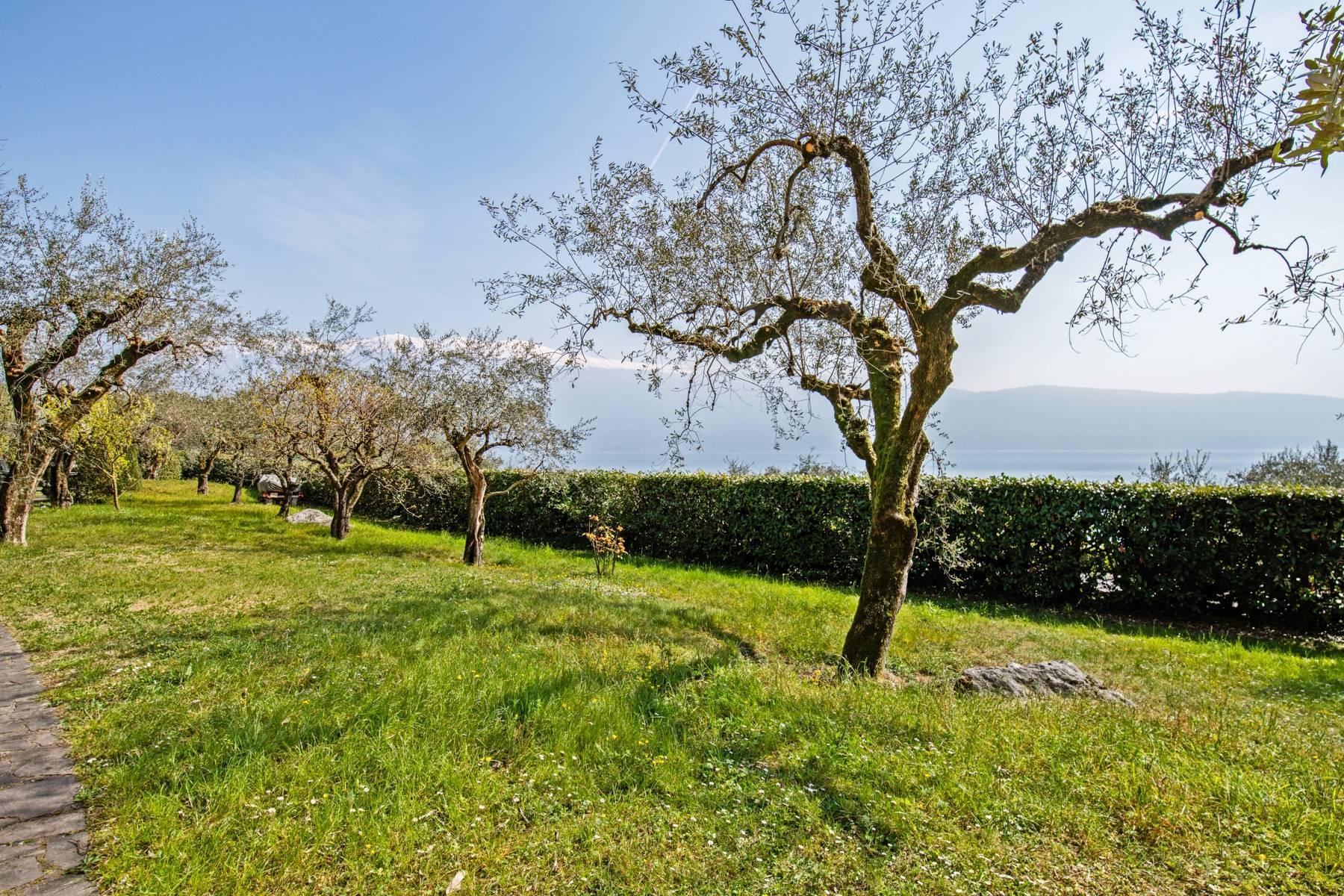 Villa in Gargnano inmitten der Olivenbäume vom Gardasee mit herrlichem Seeblick - 24