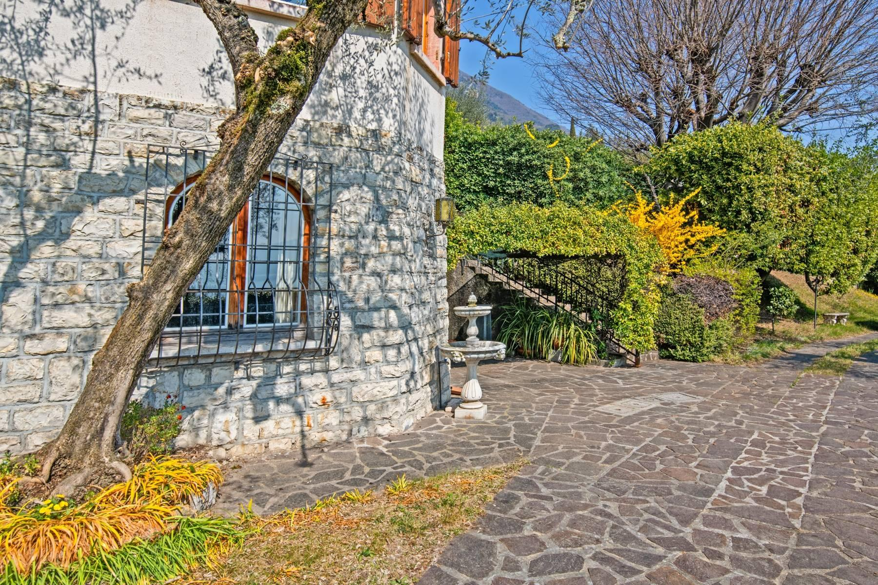 Villa in Gargnano inmitten der Olivenbäume vom Gardasee mit herrlichem Seeblick - 12