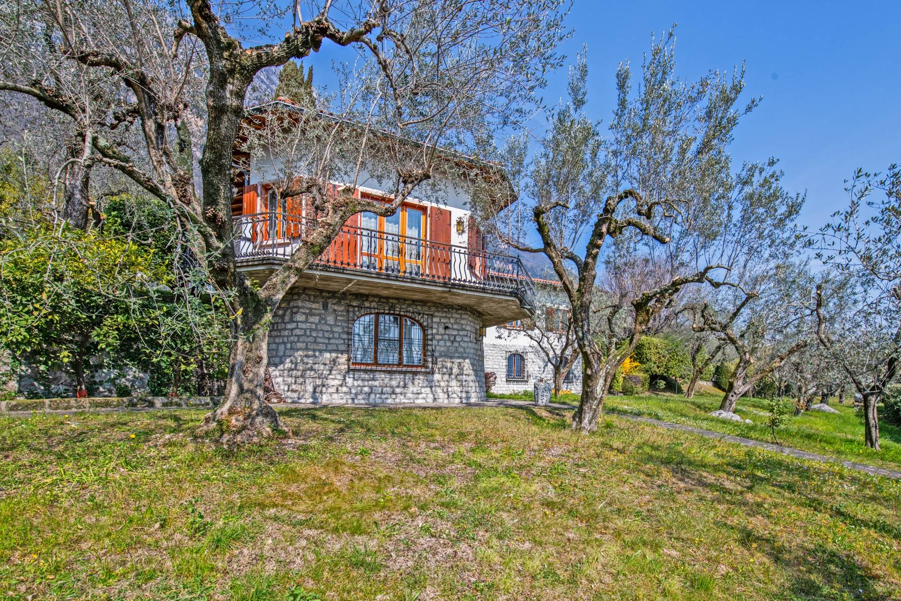 Villa with lake view in Gargnano surrounded by olive trees - 27