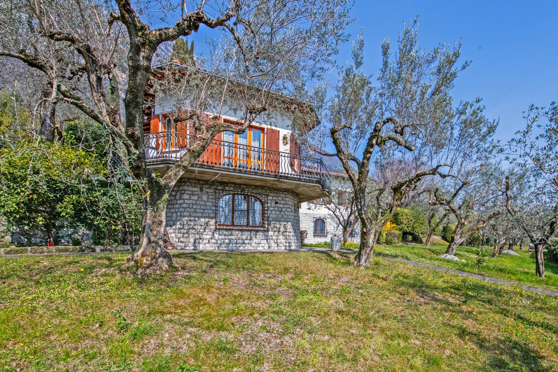 Villa with lake view in Gargnano surrounded by olive trees - 28