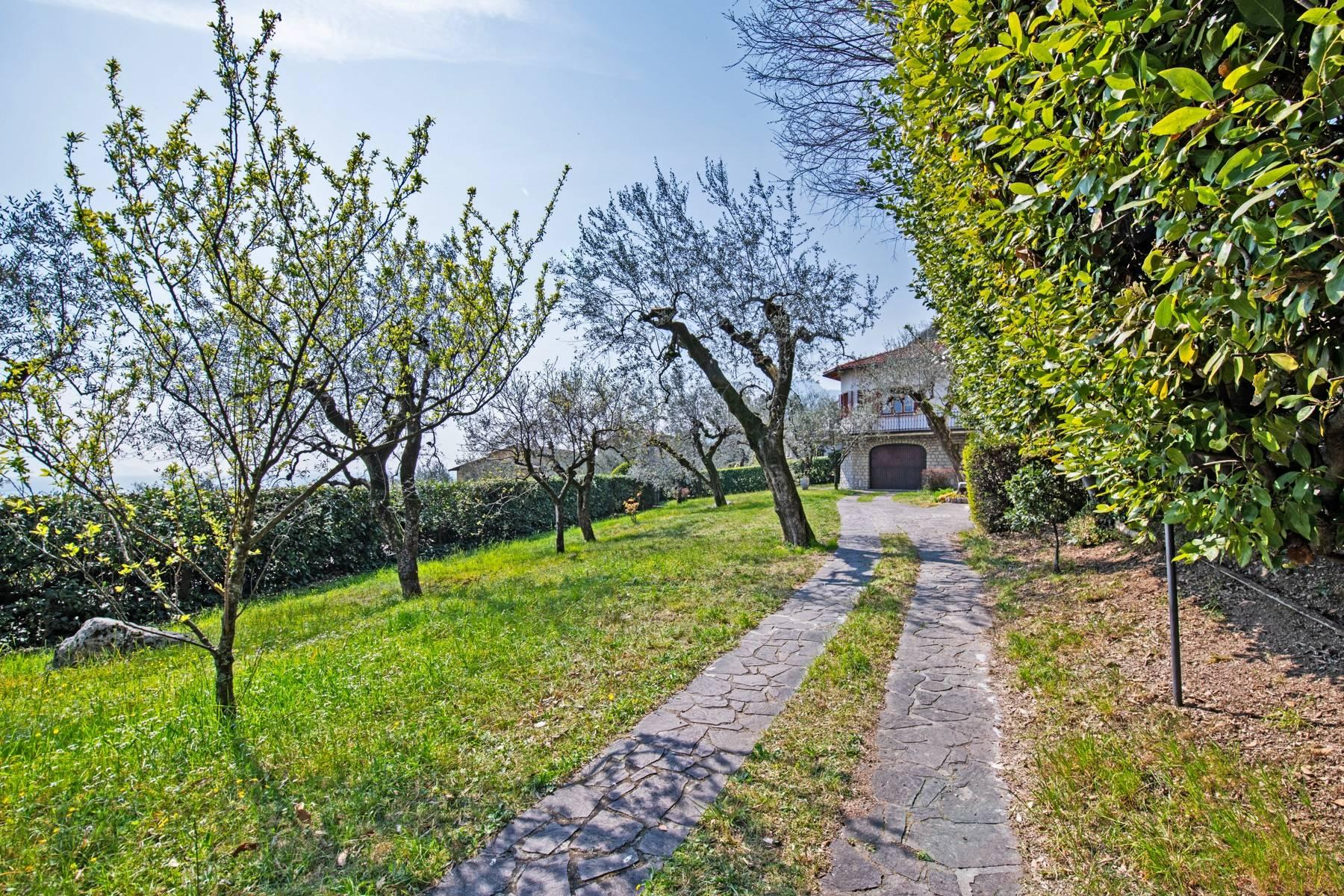 Villa in Gargnano inmitten der Olivenbäume vom Gardasee mit herrlichem Seeblick - 33
