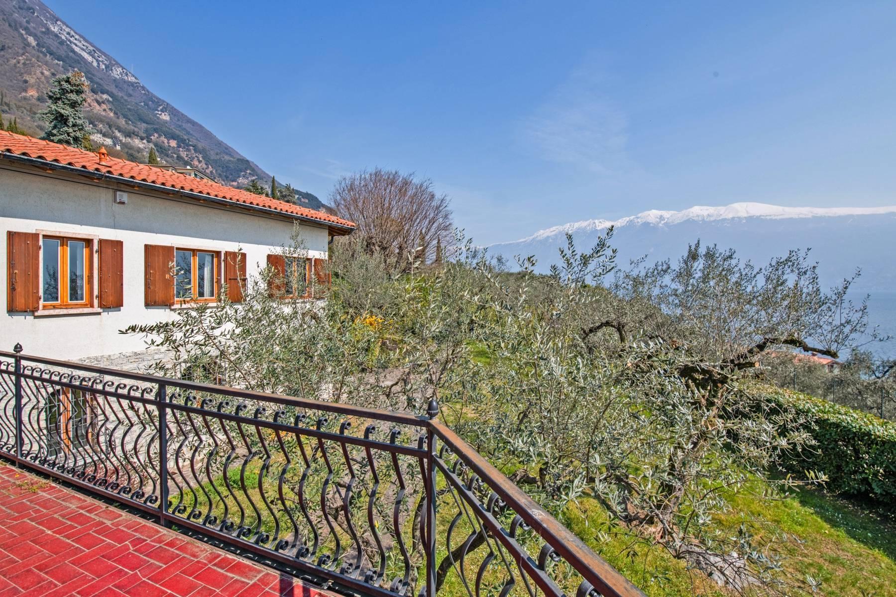 Villa in Gargnano inmitten der Olivenbäume vom Gardasee mit herrlichem Seeblick - 35