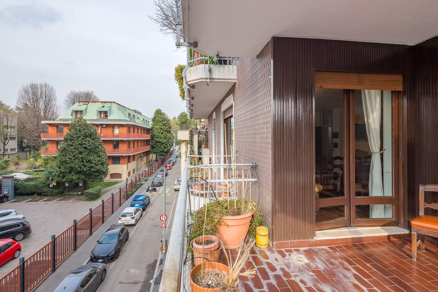 Bright apartment with terrace in a residential area - 24