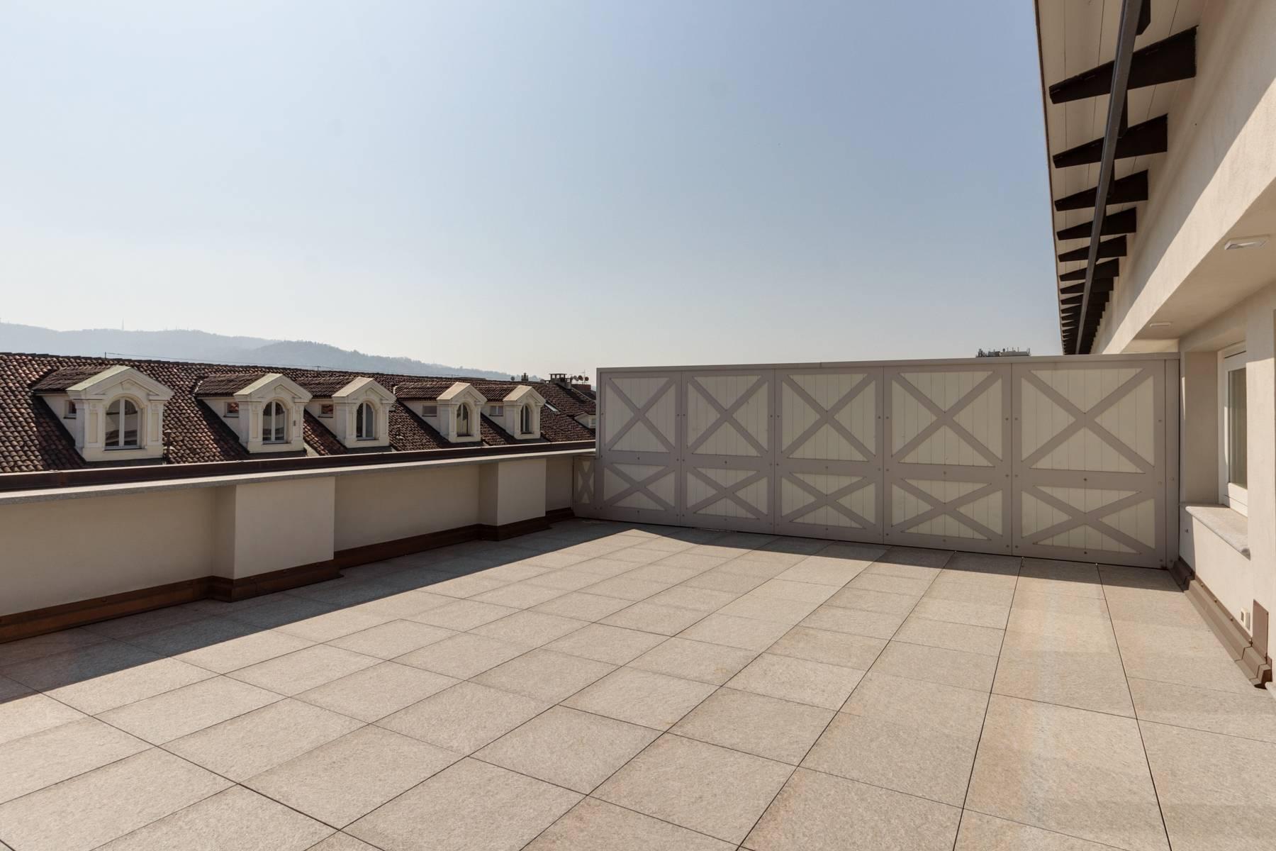 Herrliche Penthouse auf dem Piazza San Carlo - 3