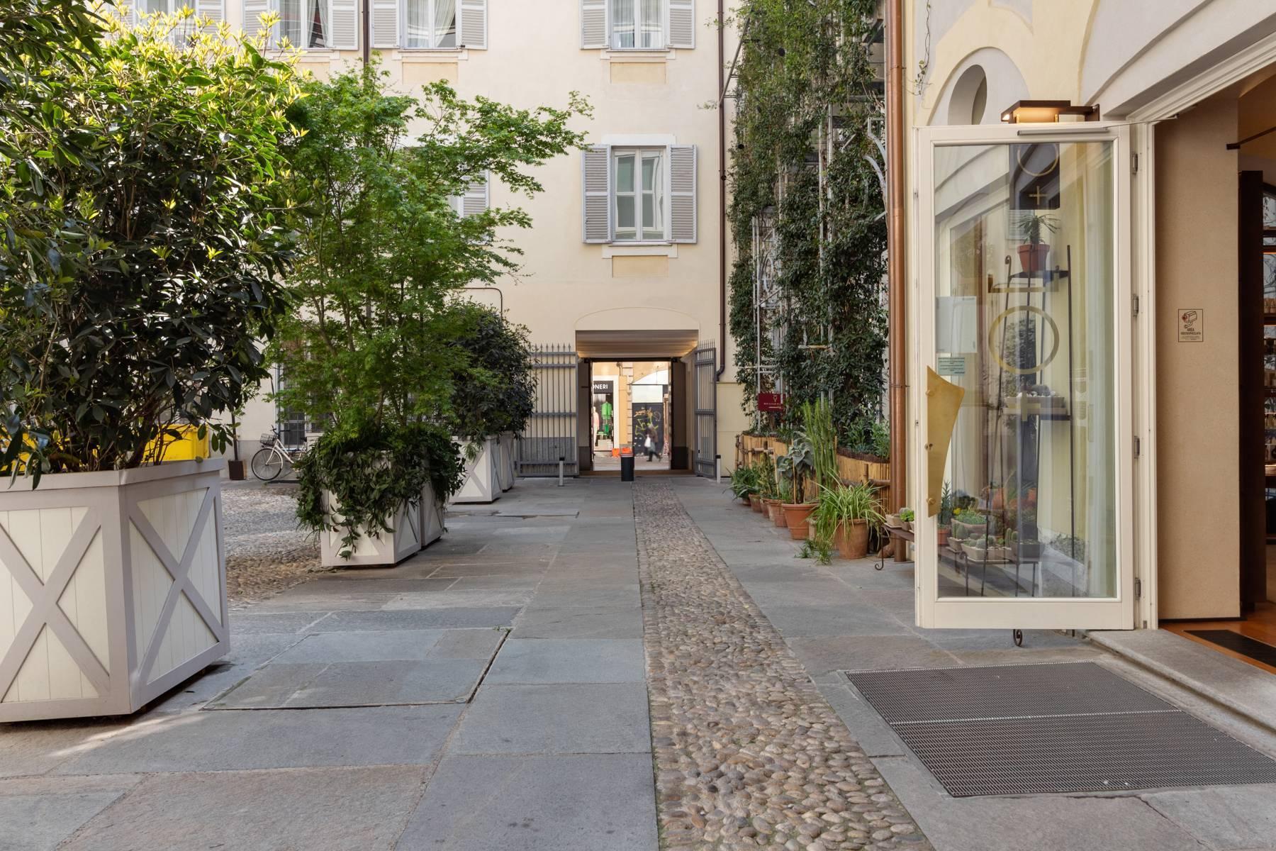Unique penthouse in Piazza San Carlo - 13