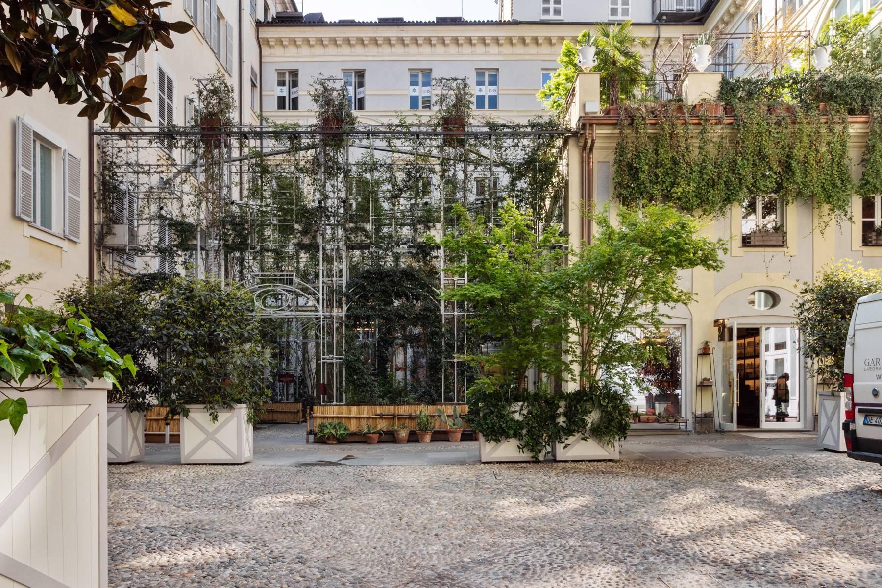 Unique penthouse in Piazza San Carlo - 14