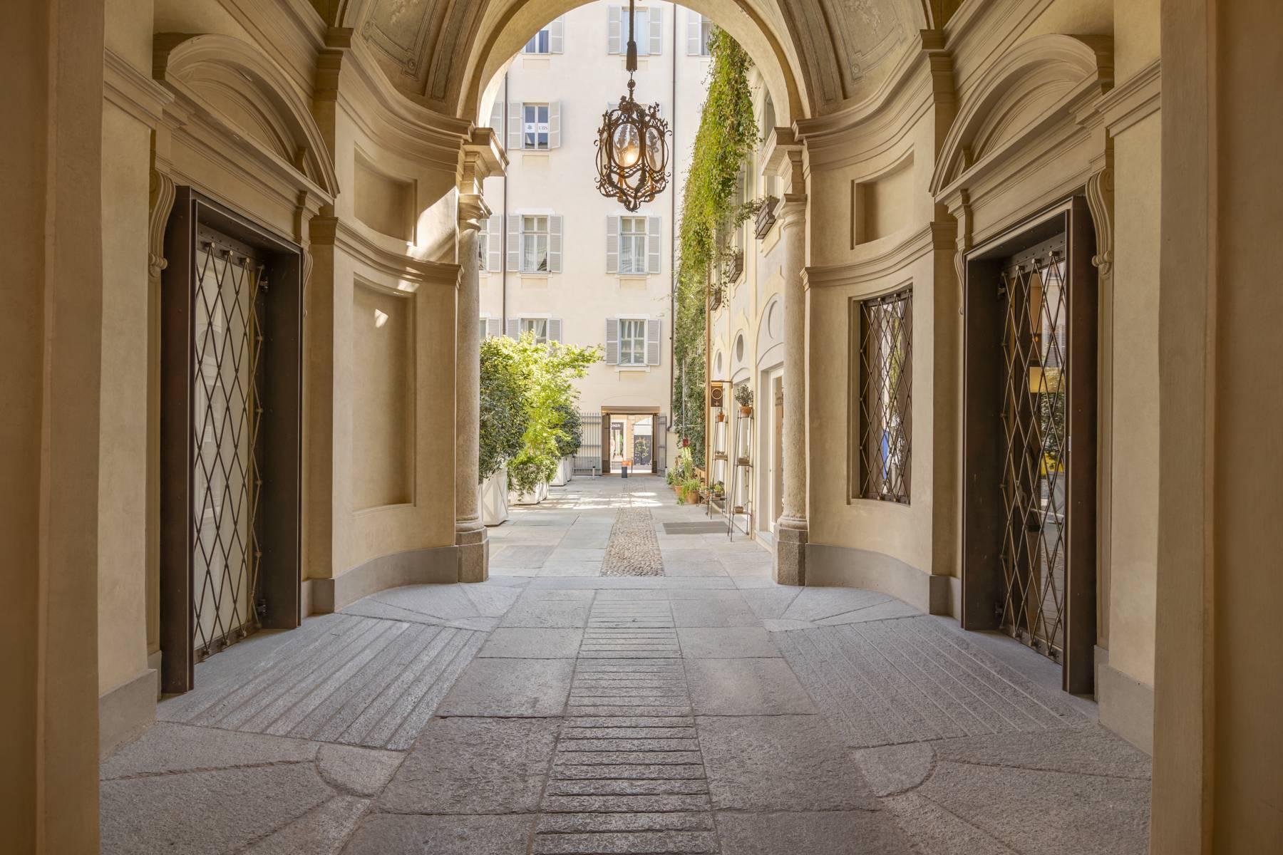 Bright apartment in Piazza San Carlo - 1