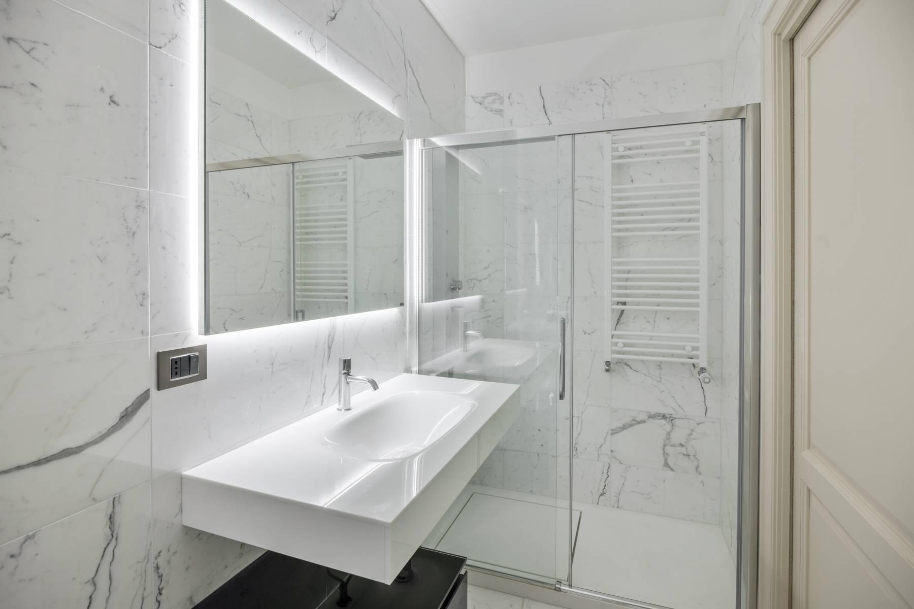 Bright apartment in Piazza San Carlo - 3