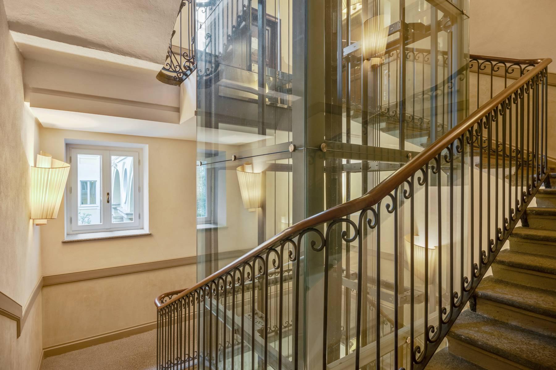 Bright apartment in Piazza San Carlo - 11