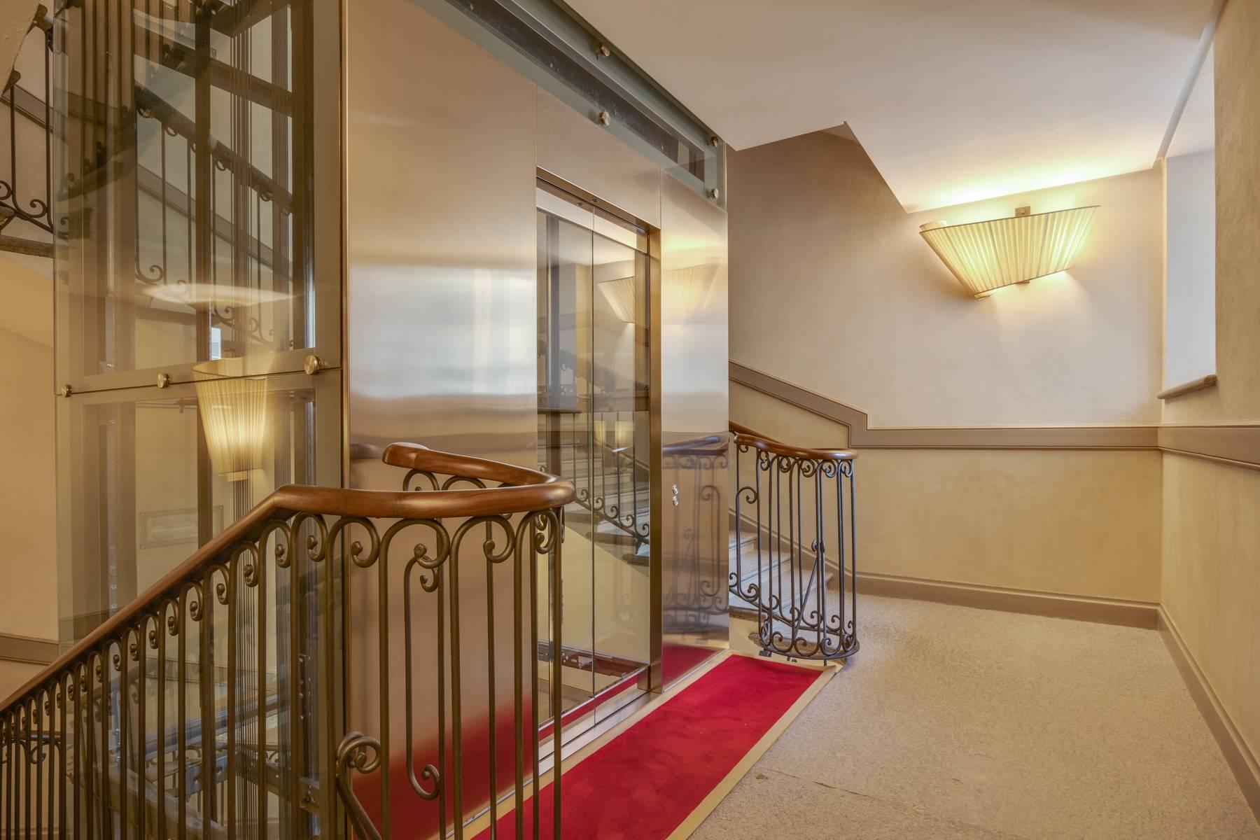 Luminoso appartamento in Piazza San Carlo - 12