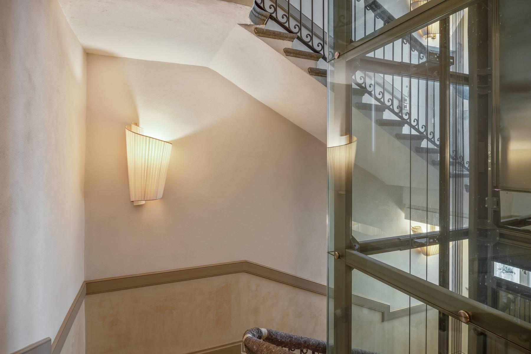 Bright apartment in Piazza San Carlo - 13
