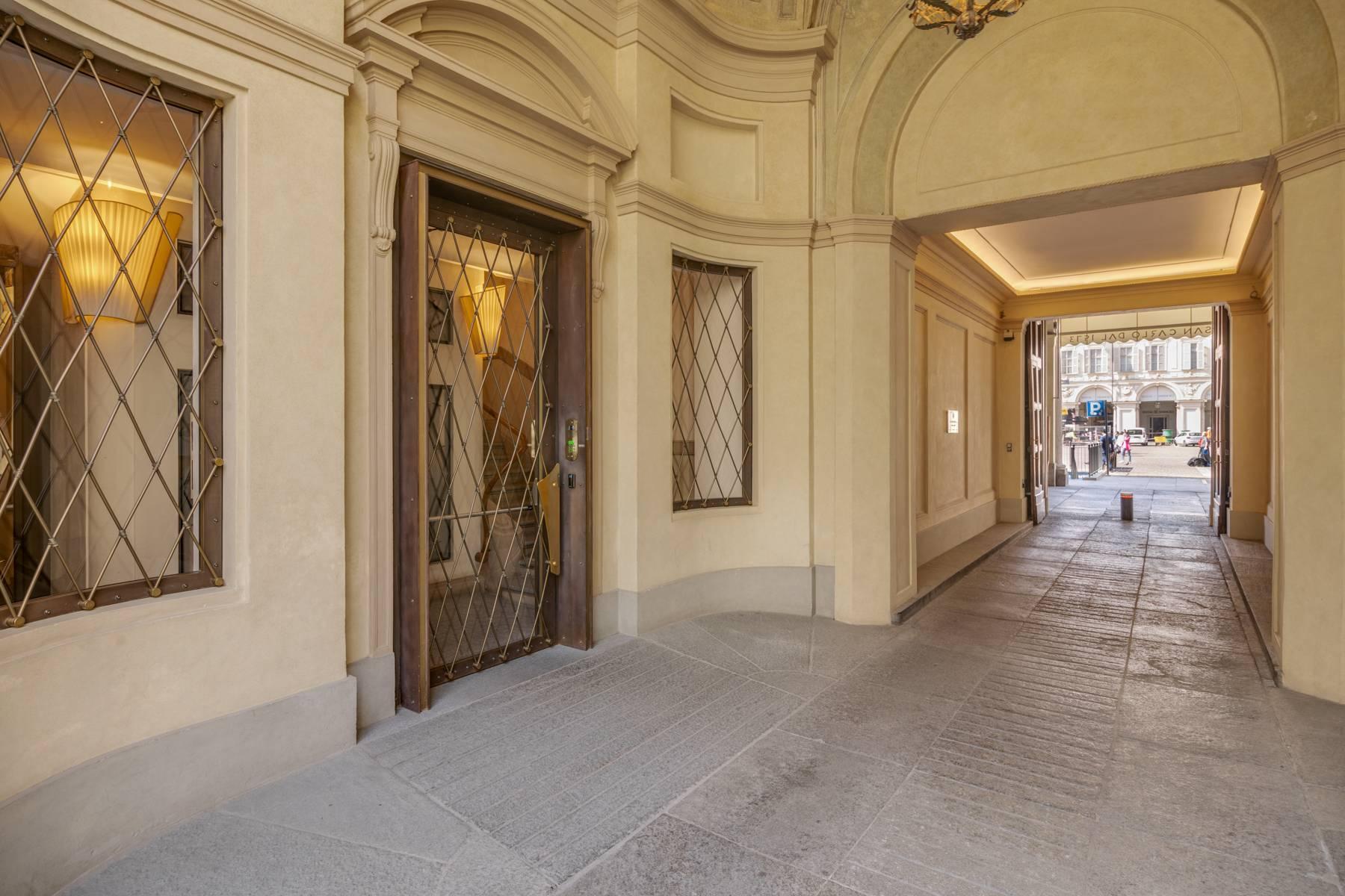 Luminoso appartamento in Piazza San Carlo - 14