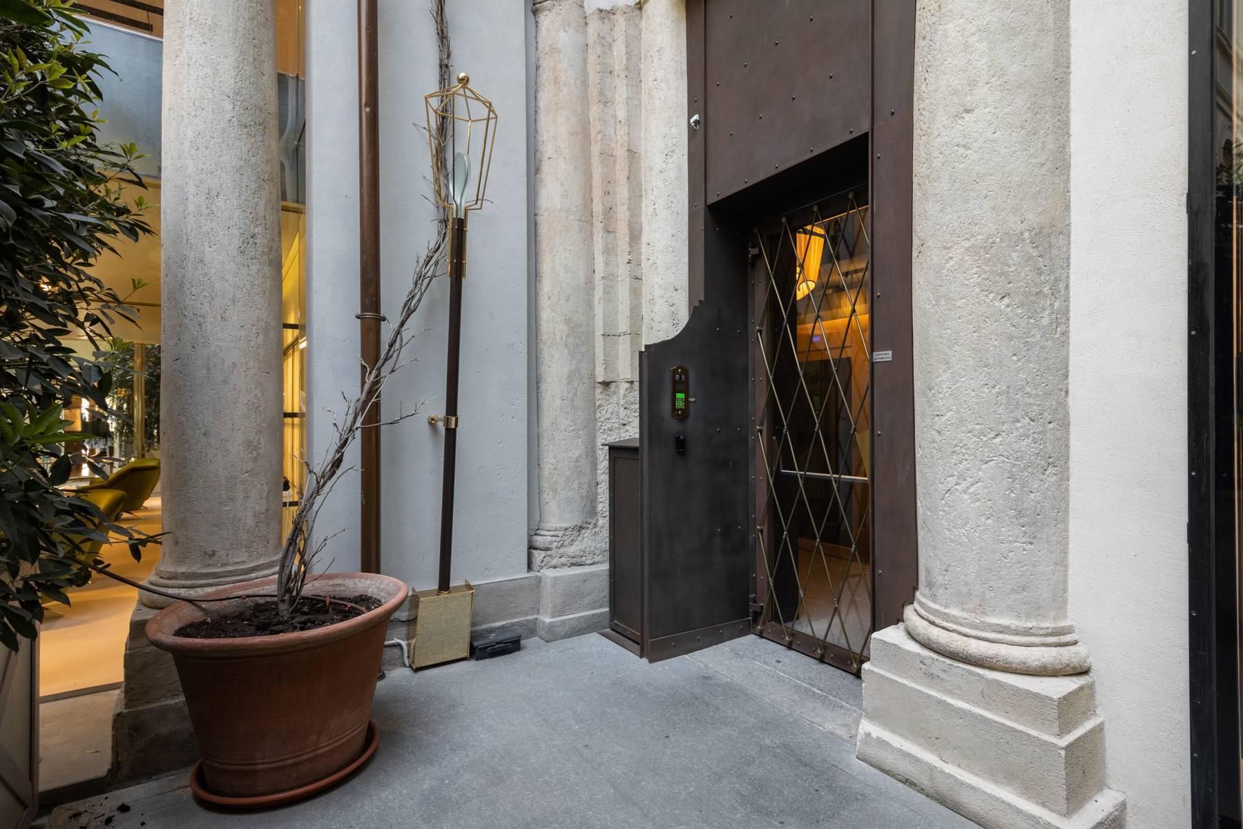 Bright apartment in Piazza San Carlo - 15