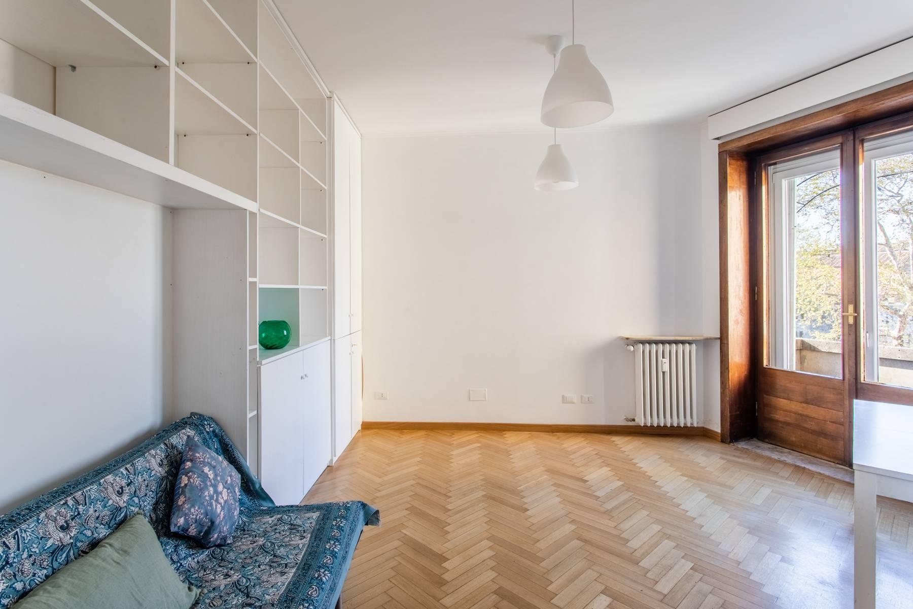Bright apartment overlooking the Tiber in the historical city center - 6
