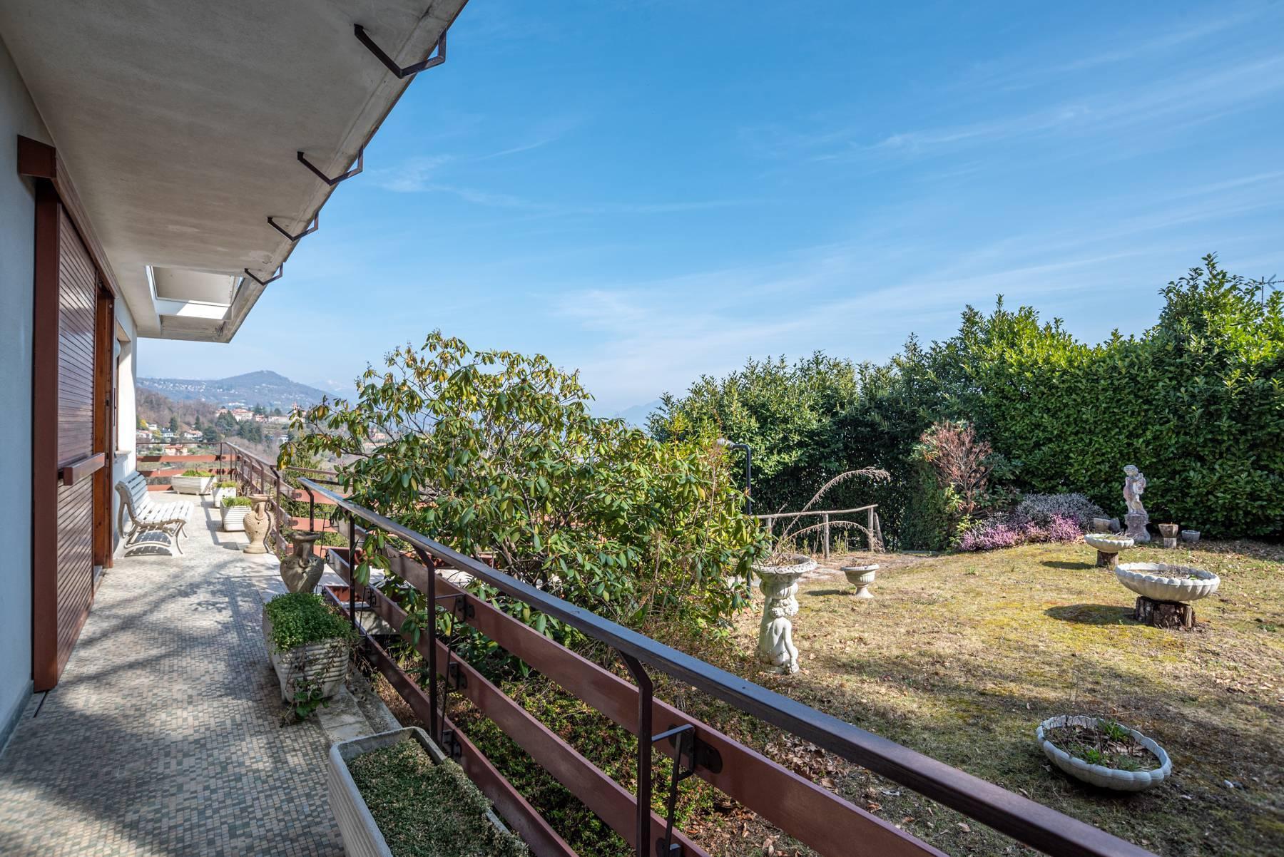 Villa on the hills of Arona overlooking the lake - 18
