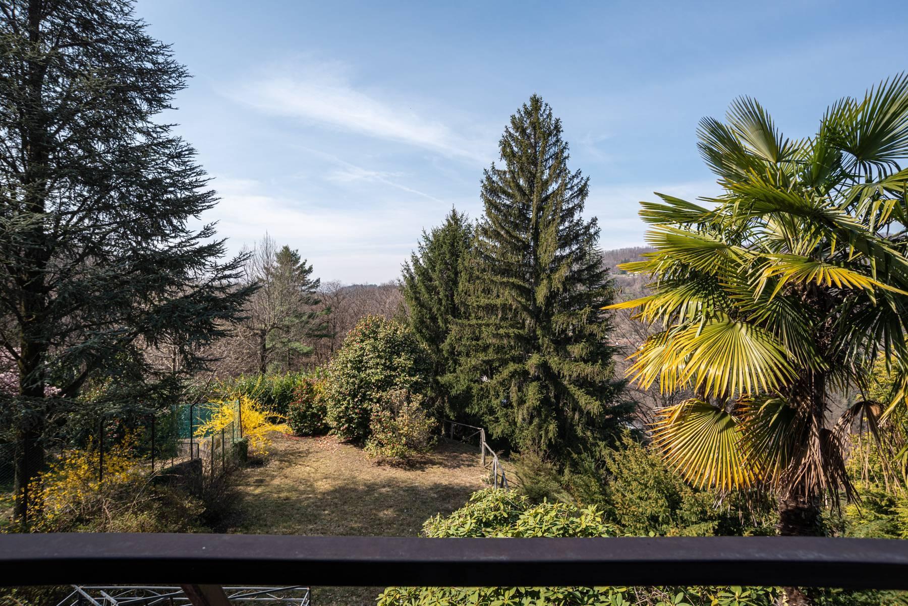 Вилла на холмах Ароны с видом на озеро - 25