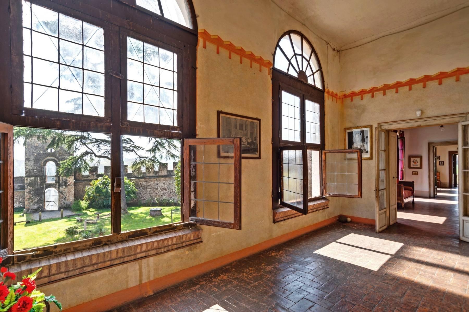 Historische Villa auf den Moränenhügeln in der Nähe des Gardasees - 13