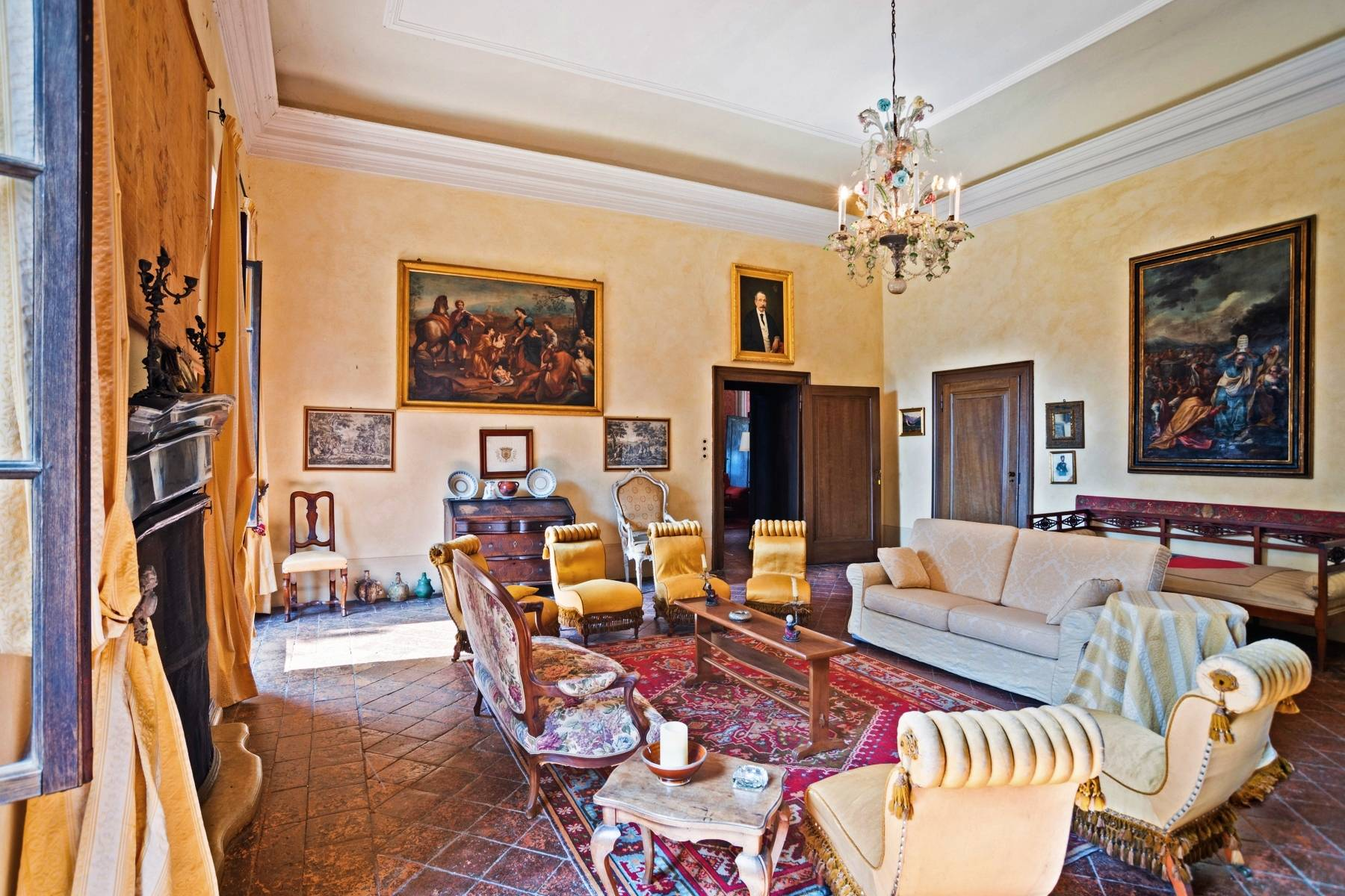 Historische Villa auf den Moränenhügeln in der Nähe des Gardasees - 11