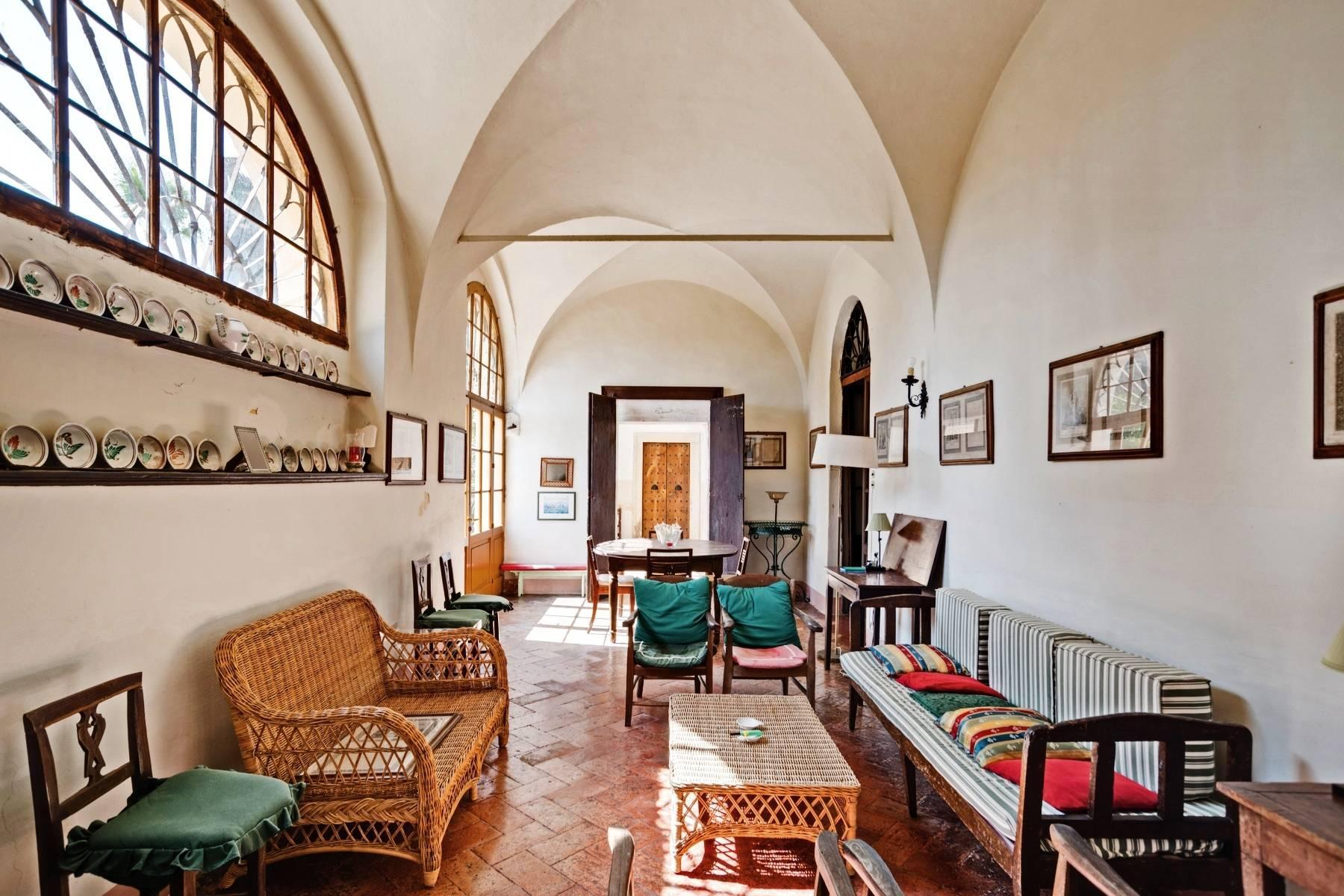 Historische Villa auf den Moränenhügeln in der Nähe des Gardasees - 19
