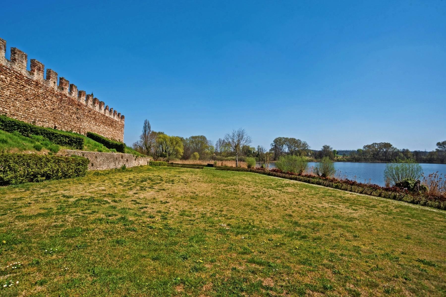Historische Villa auf den Moränenhügeln in der Nähe des Gardasees - 27