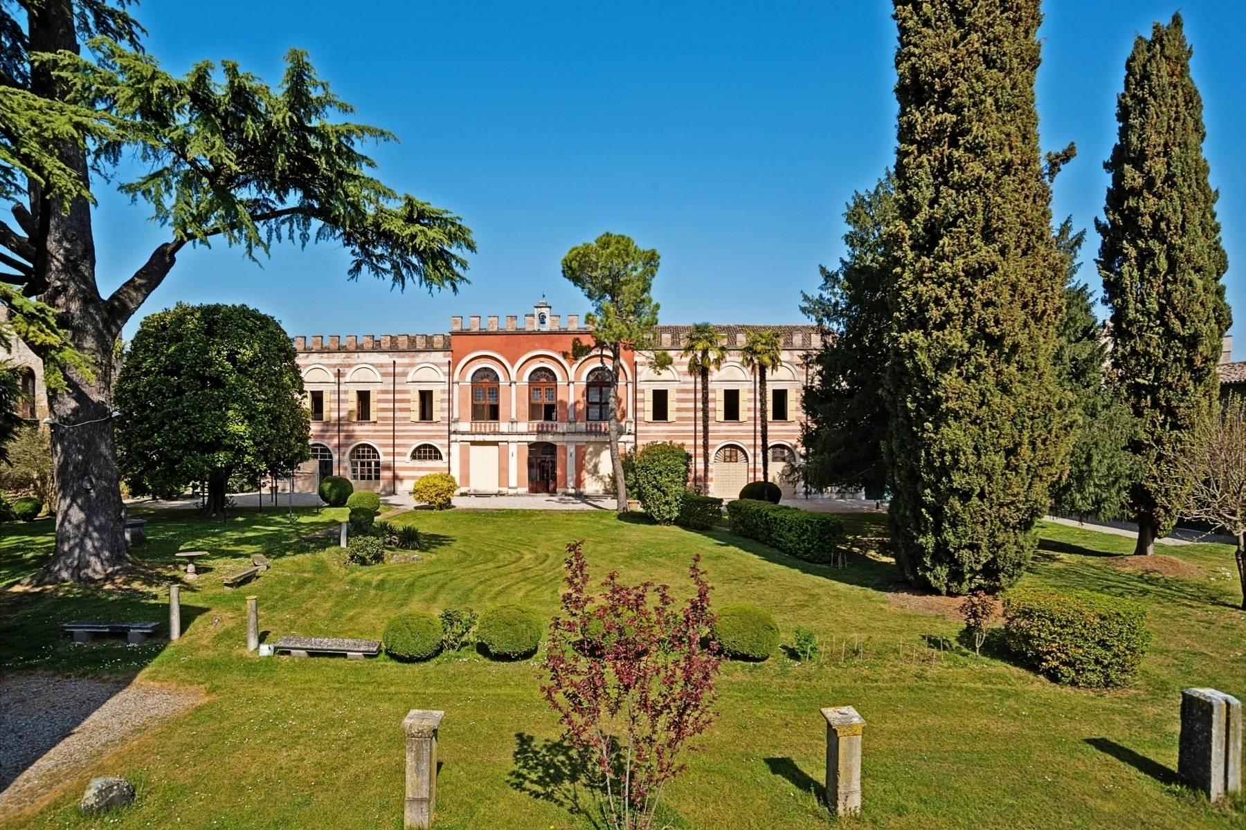 Historic villa on the morainic hills near Lake Garda - 1
