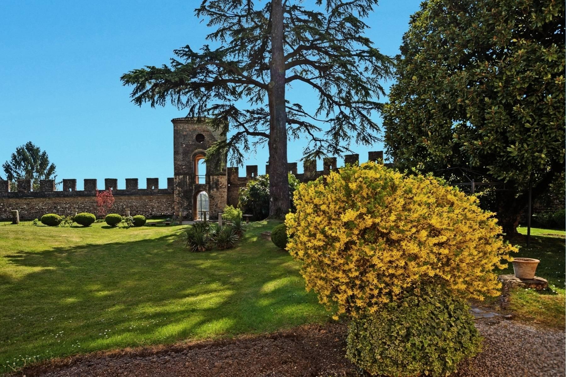 Historische Villa auf den Moränenhügeln in der Nähe des Gardasees - 26