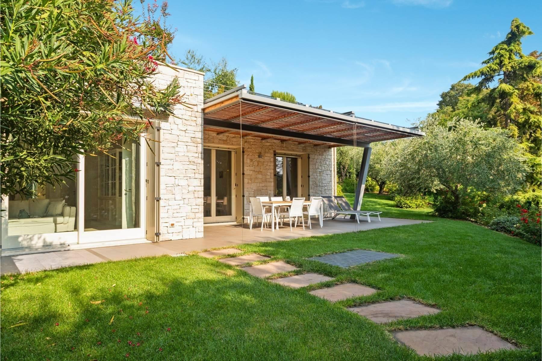 Villa im eleganten Wohnkomplex mit Pool - 2