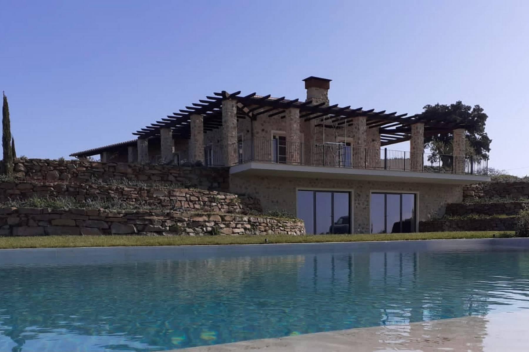 眺望大海的带游泳池的新建农舍 - 3