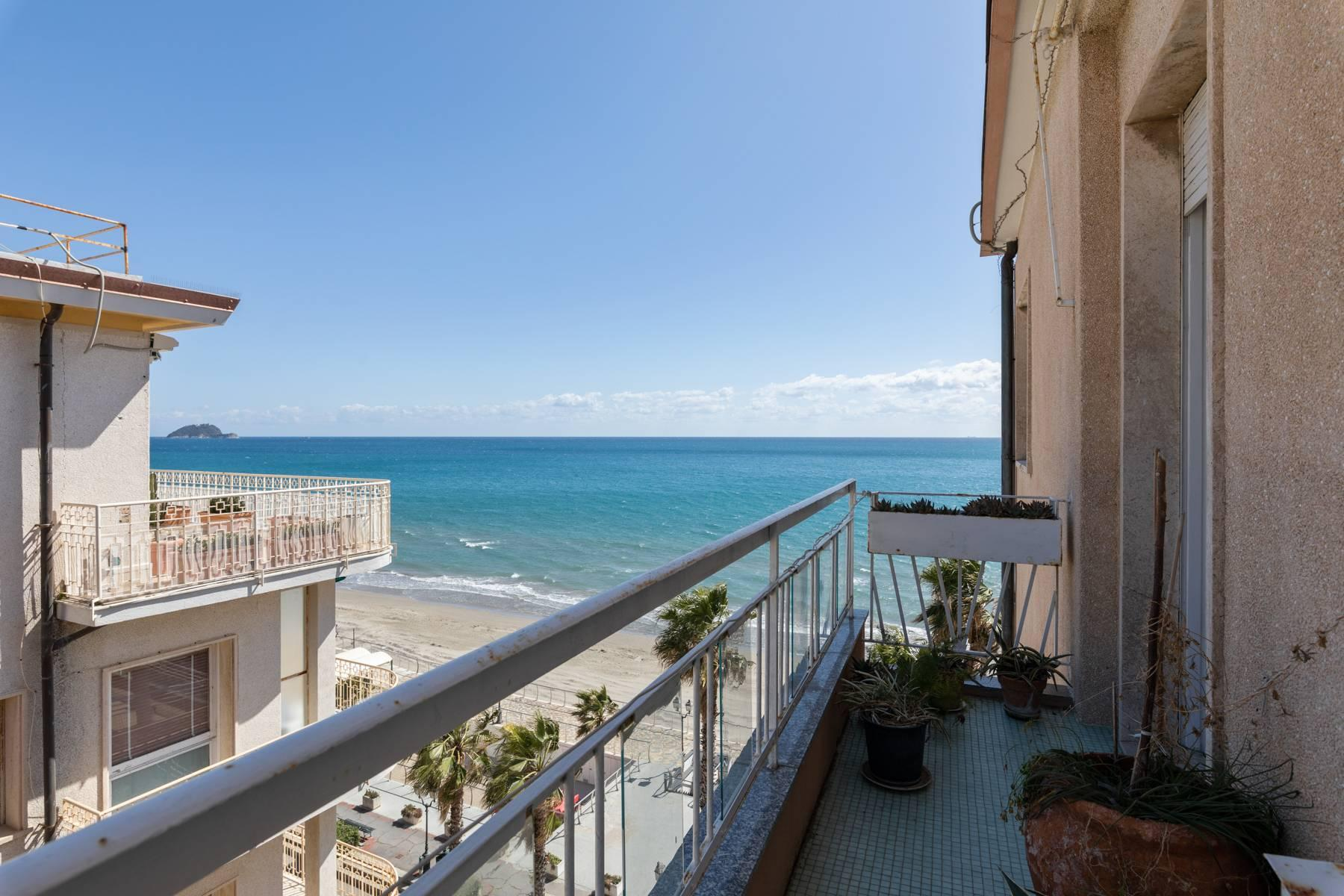 Panoramic penthouse with terrace and incomparable sea view - 13