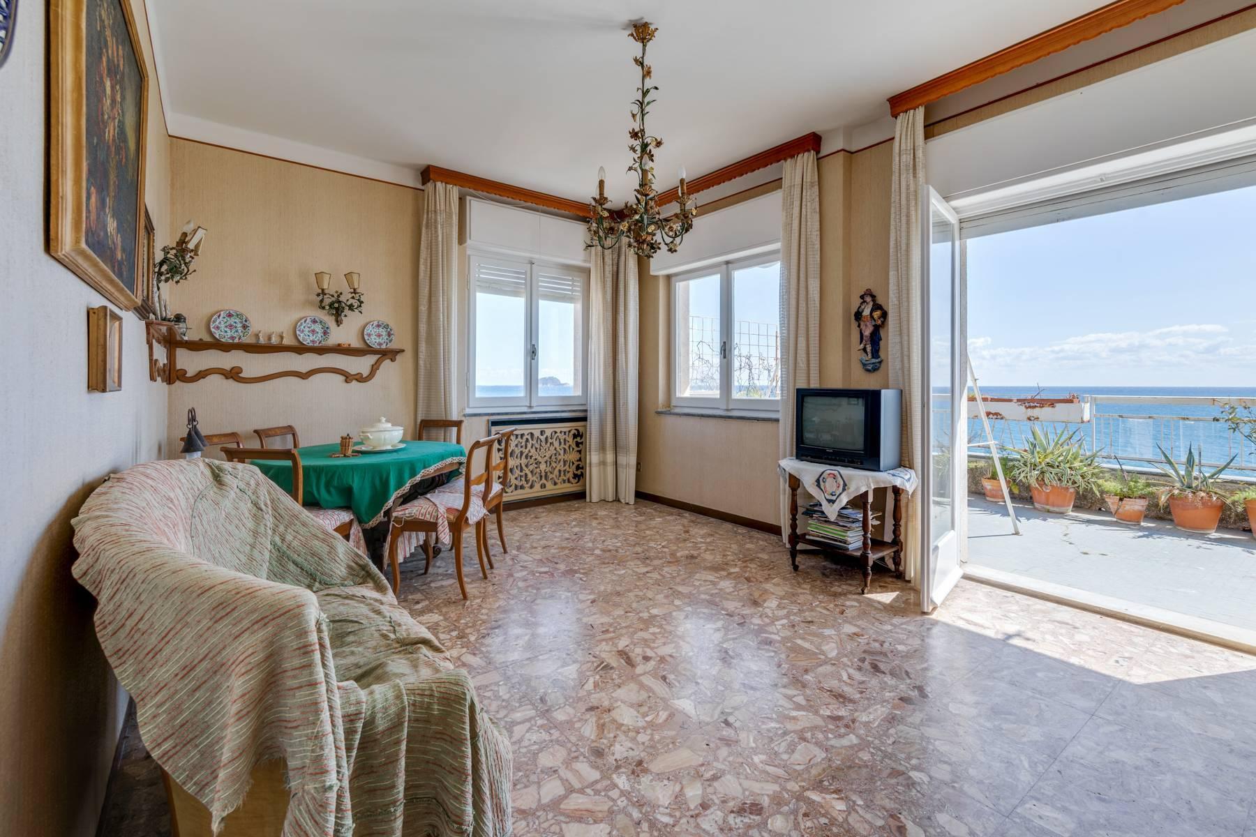 Panoramico attico con grande terrazzo e favolosa vista mare - 11