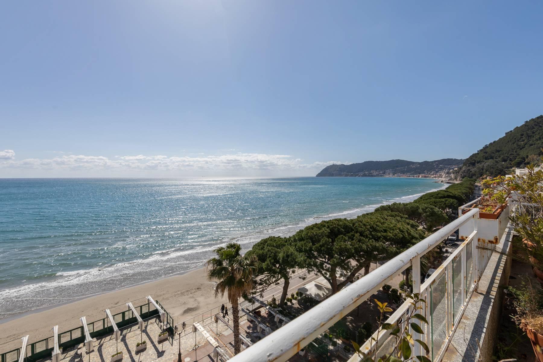 Панорамный пентхаус с террасой и несравненным видом на море - 1