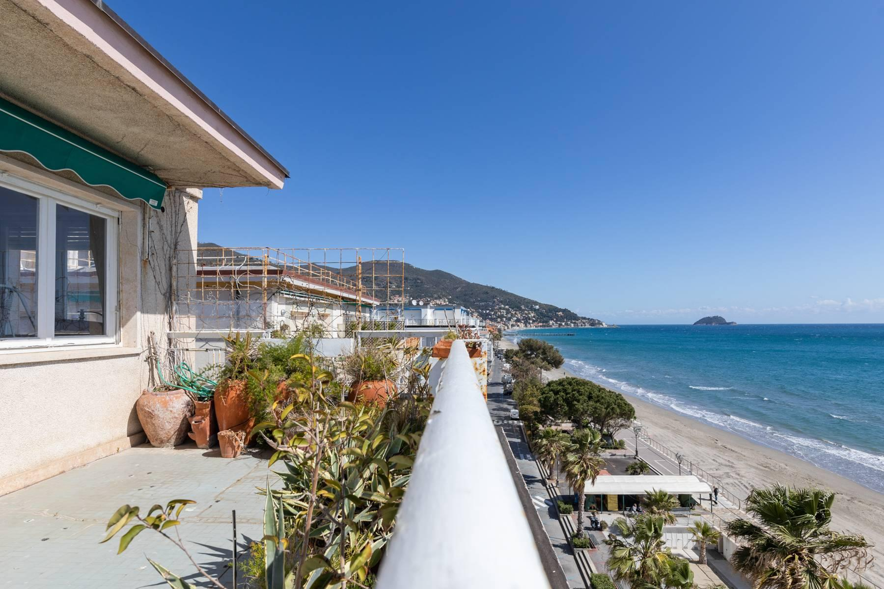Panoramic penthouse with terrace and incomparable sea view - 7