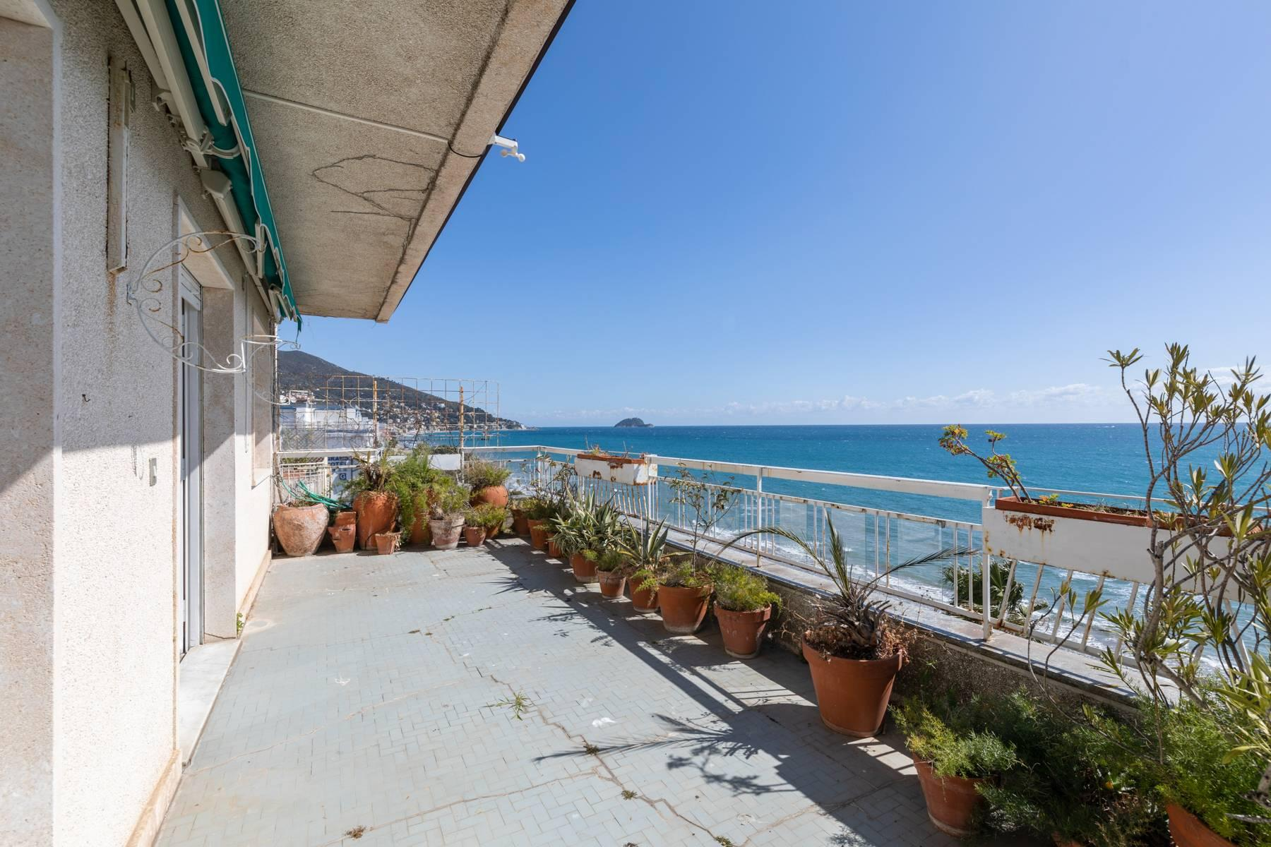 Panoramic penthouse with terrace and incomparable sea view - 3