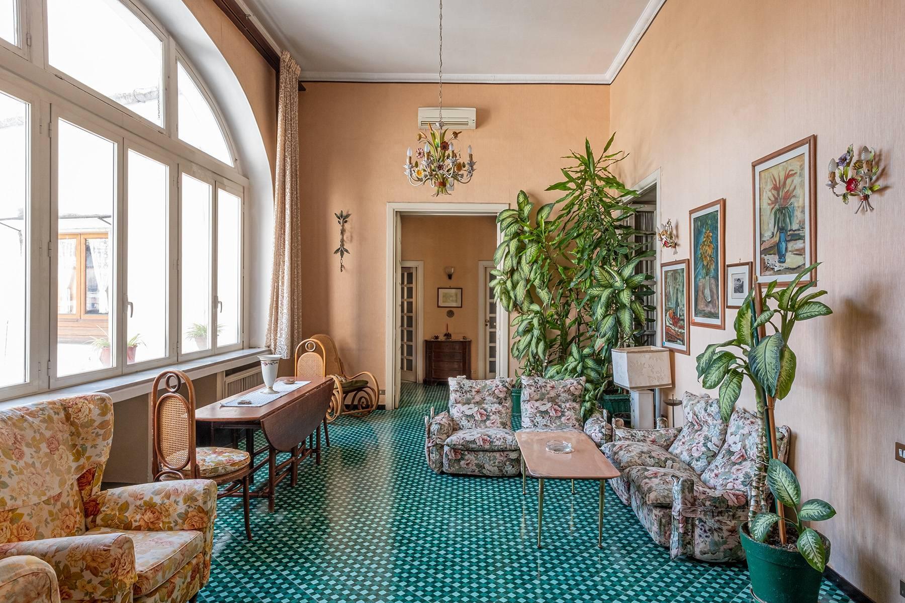 Prächtige repräsentative Wohnung in einer historischen Residenz - 6