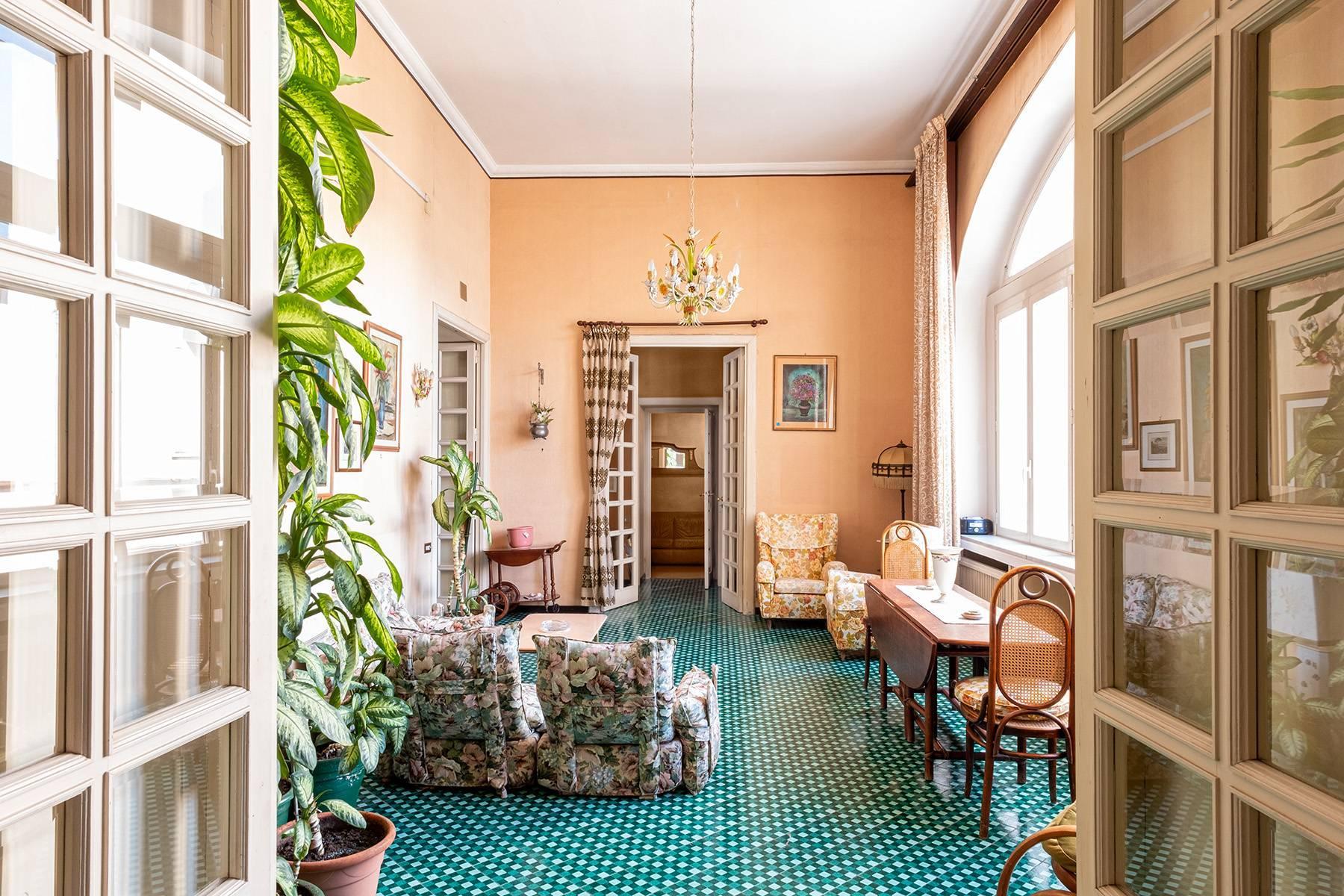 Prächtige repräsentative Wohnung in einer historischen Residenz - 7