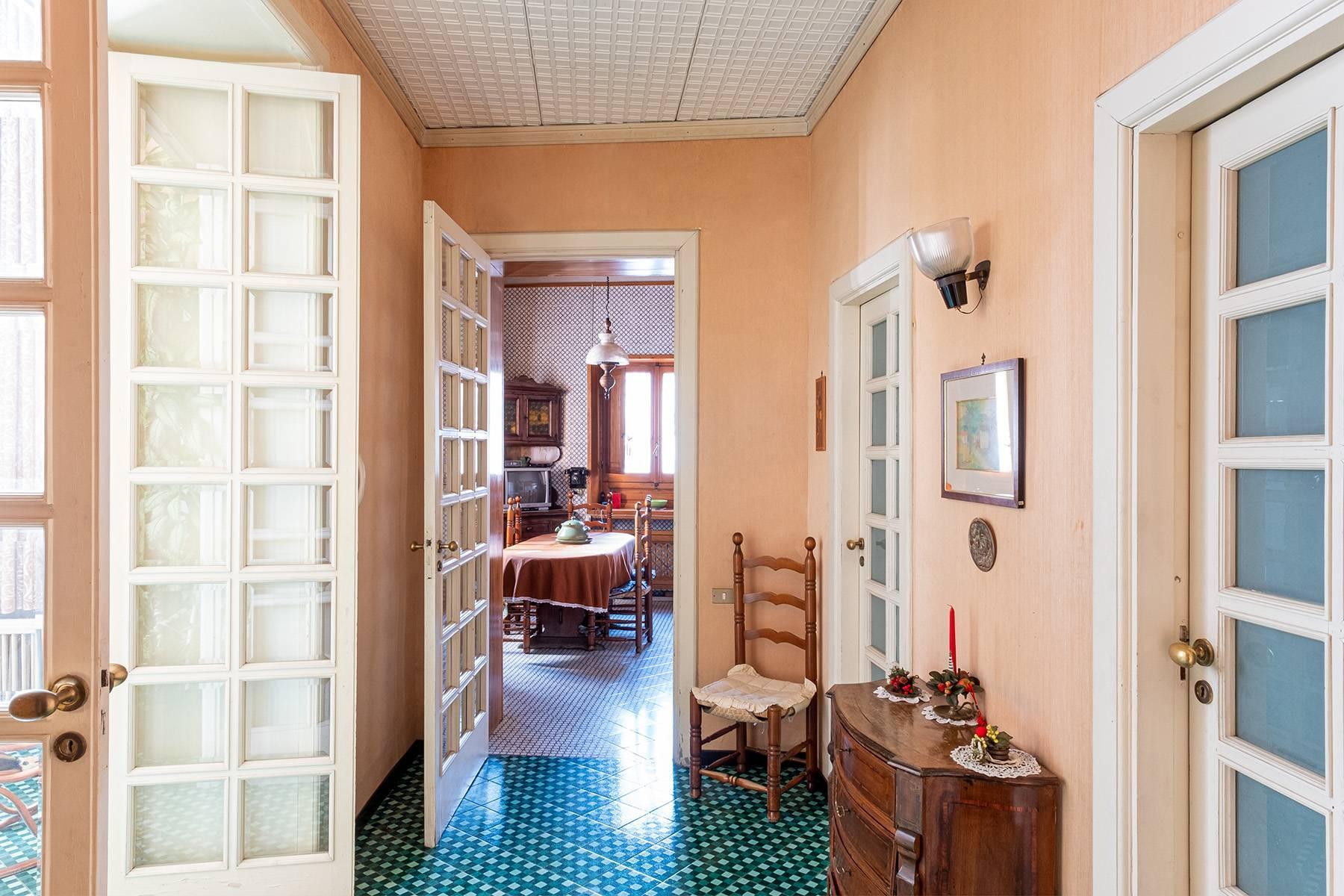 Prächtige repräsentative Wohnung in einer historischen Residenz - 17