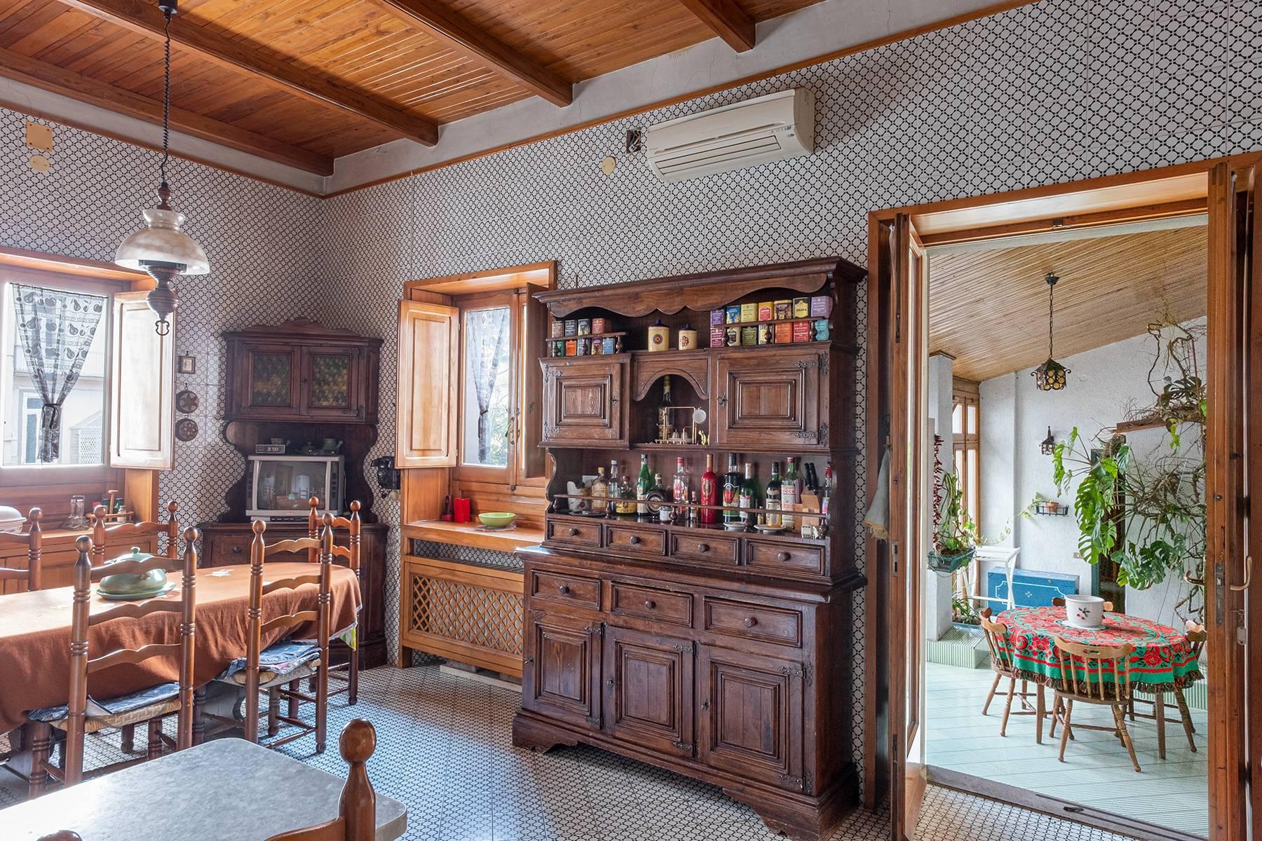 Prächtige repräsentative Wohnung in einer historischen Residenz - 15